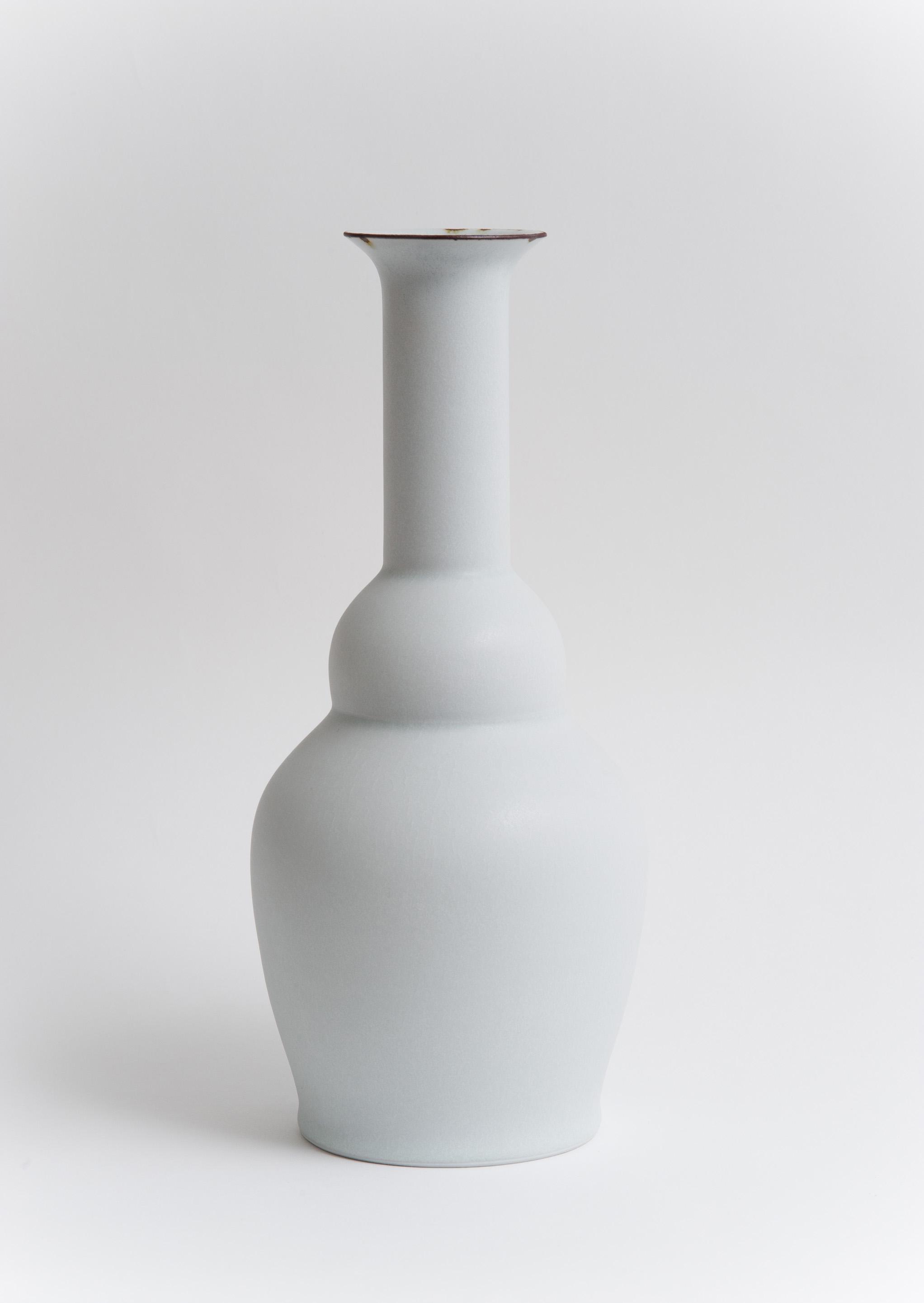 21 Vase 2011.jpg