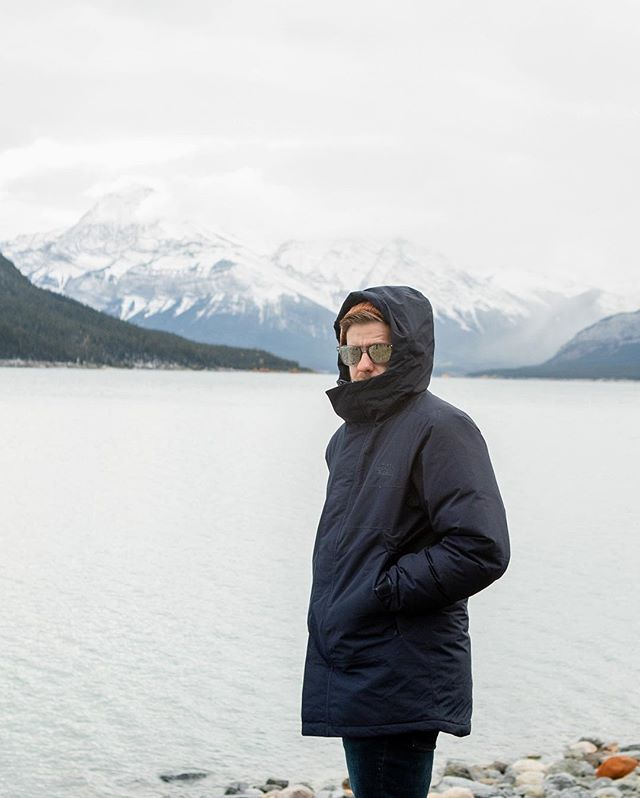 Me in #Banff towards the end of the year...it was cold 🥶 but so gorgeous!🛫🏔🇨🇦 . . . 📷 by the extremely talented  @kiwonpi