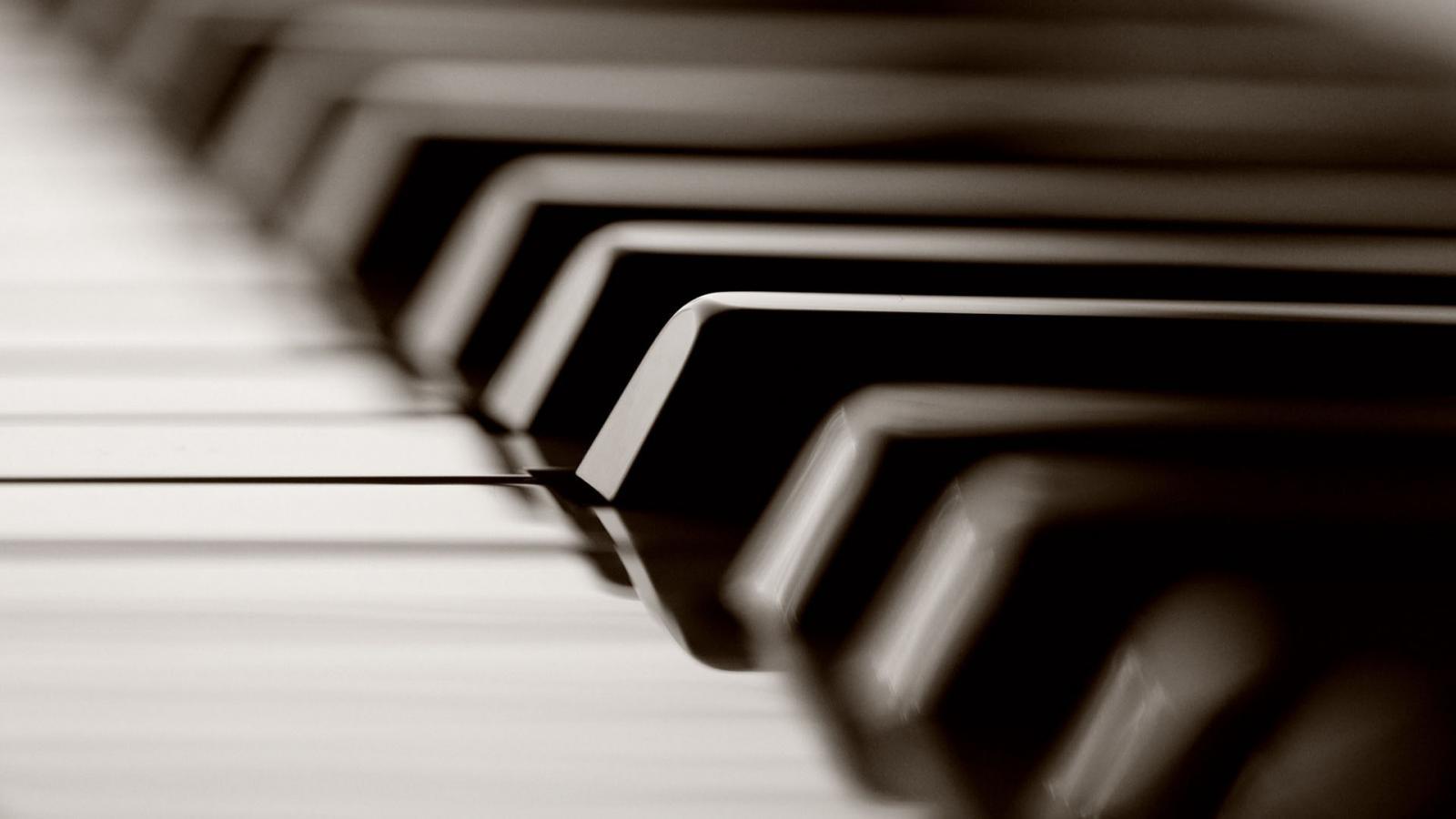 music-piano-keys-900x1600.jpg