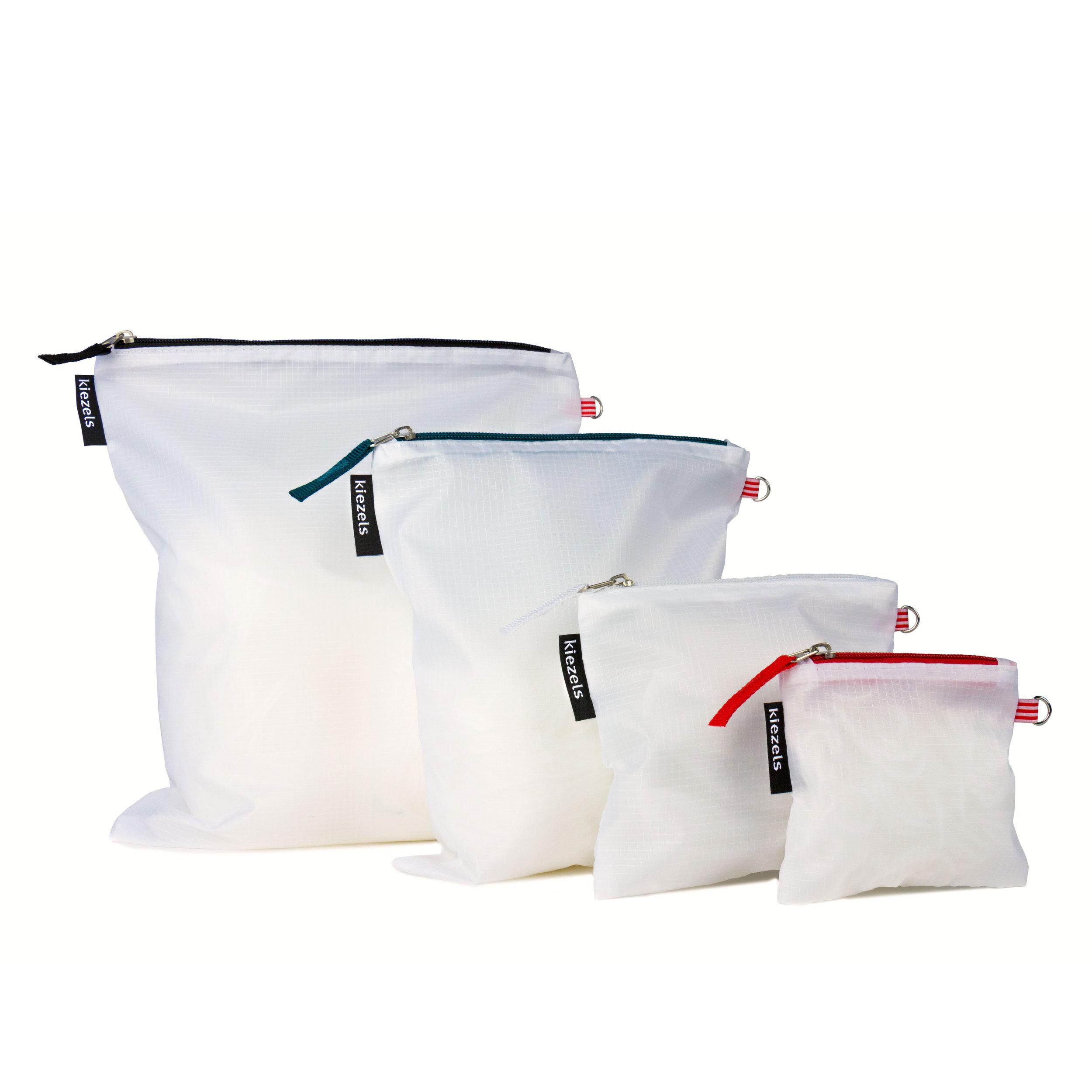 No. 205 Travel organiser bags - white € 18,50