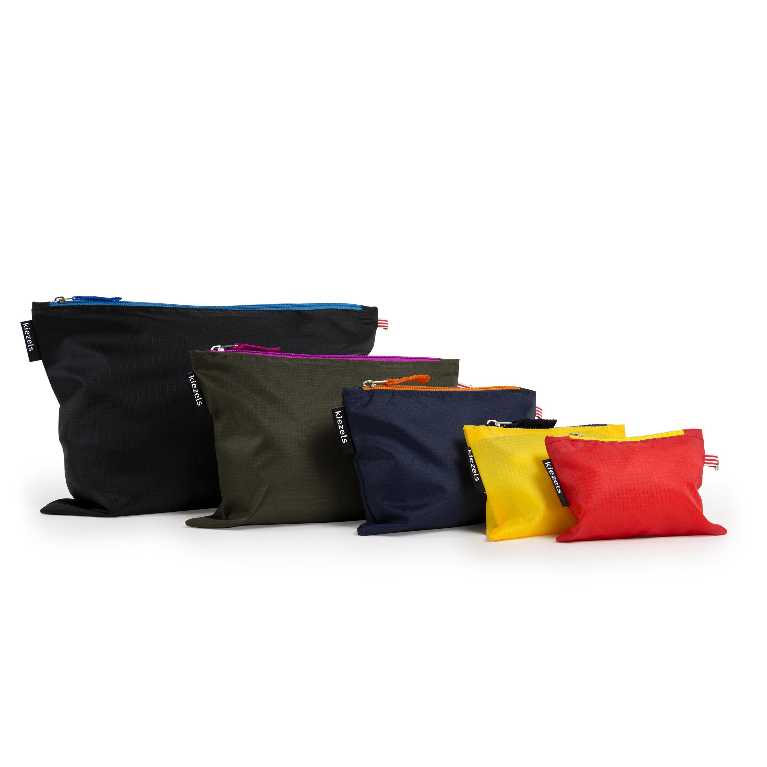 No. 220 Travel organizer bags - colours € 21.