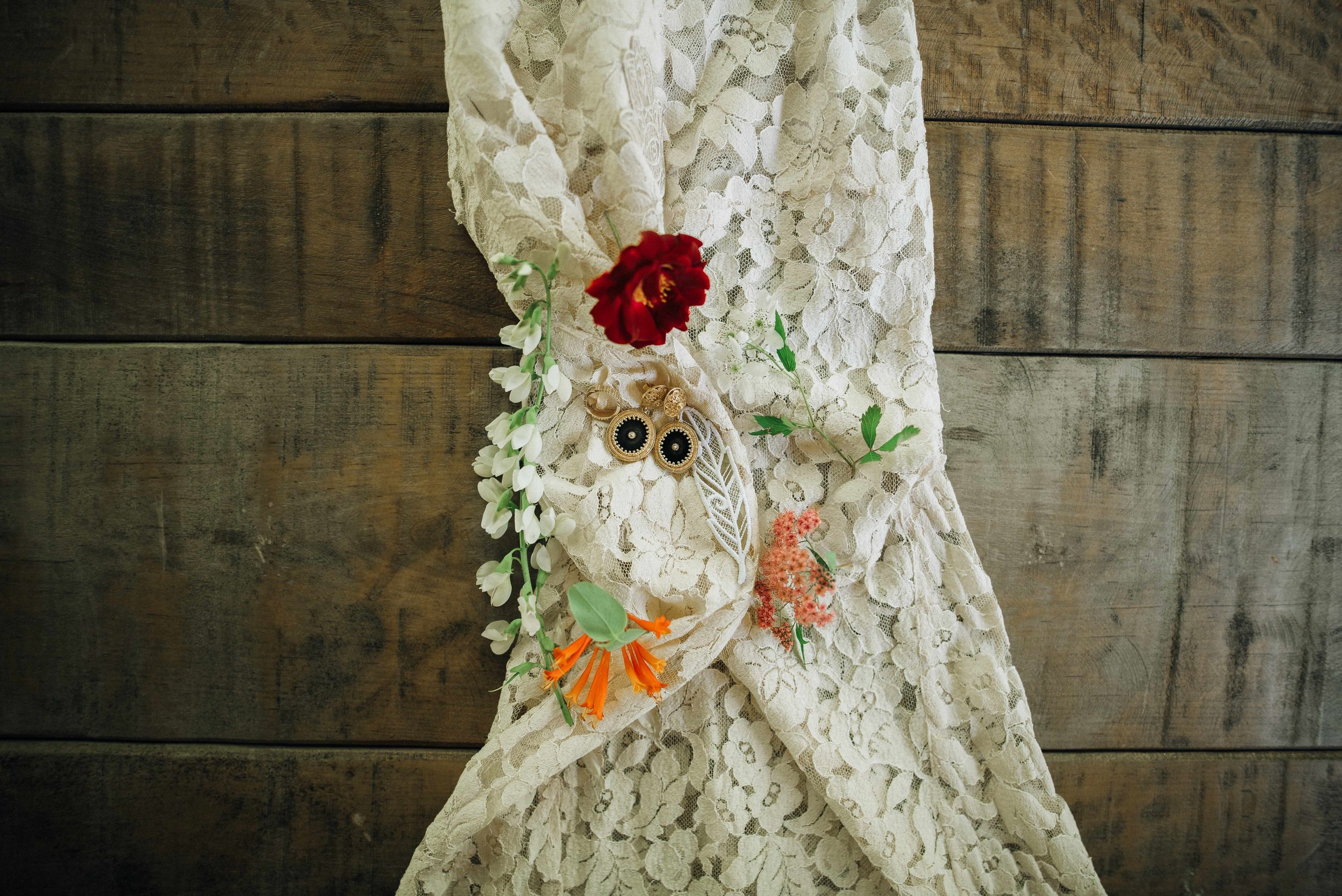 DetailsNashville-Hannah+AndrewWedding-WeddingDay030.jpeg