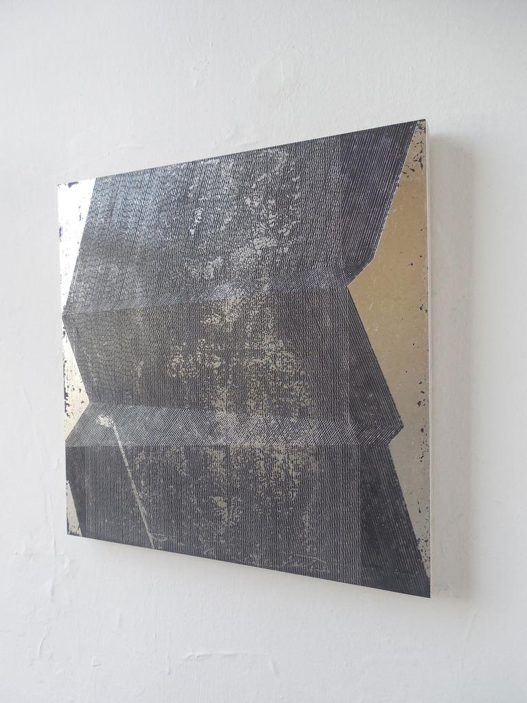 Mochizuki_-Untitled-6-10-13_-2013_-clay_-pallaidum-leaf-and-gesso-on-board_-14-x-14-in.-35.56--35.56-cm_-NON-53.jpg