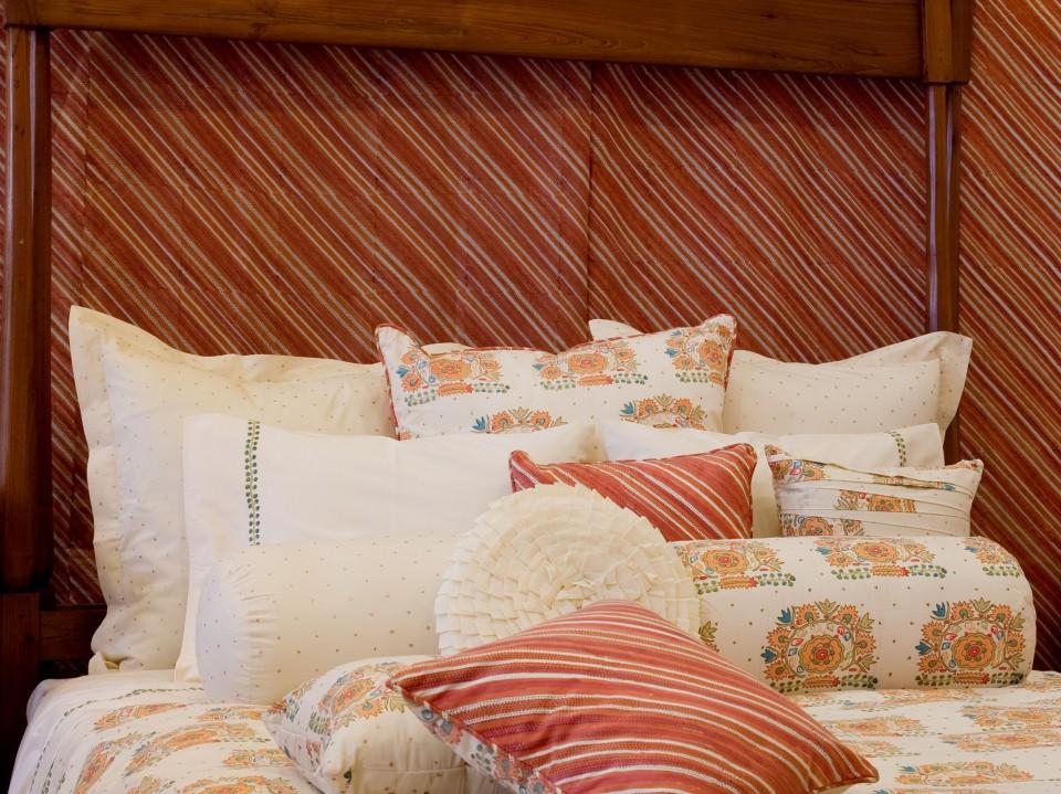 Mutlu bedding collection