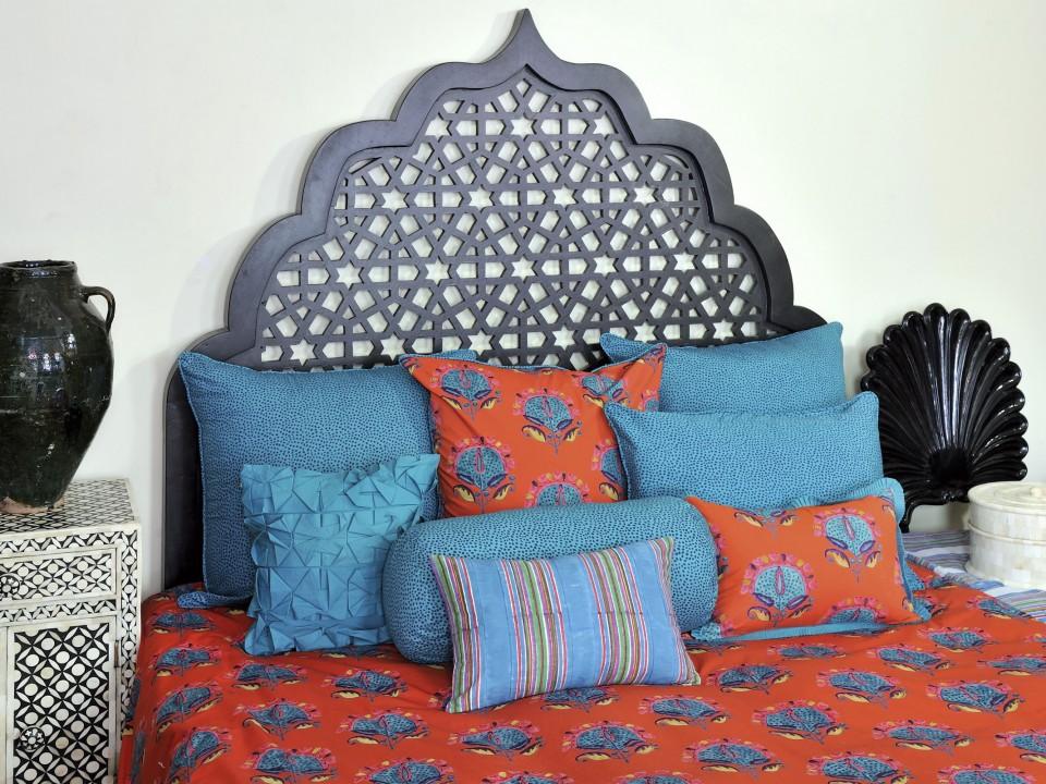 Stella bedding collection