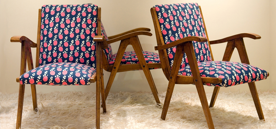 Chairs covered with Melvin fabric