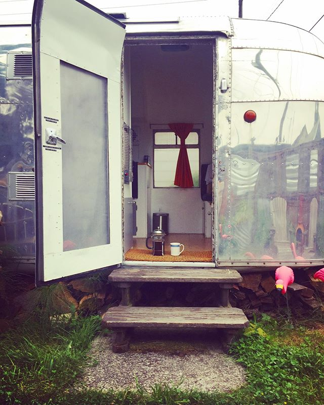 Morning-Coffee-in-a-Seattle-Airstream sort of life.