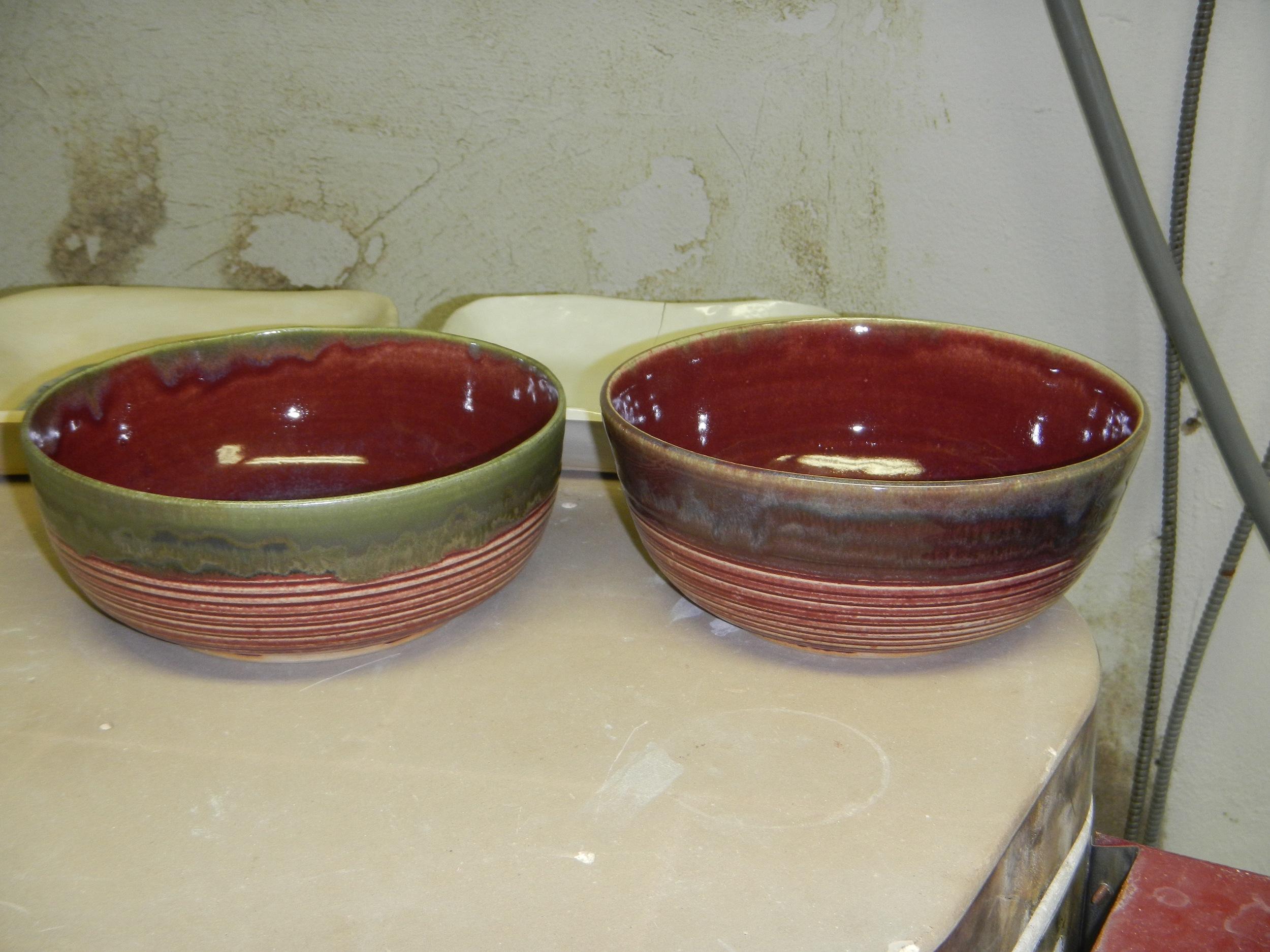 (Interesting...the green glaze on bare rim, vs the green glaze over the red glaze)