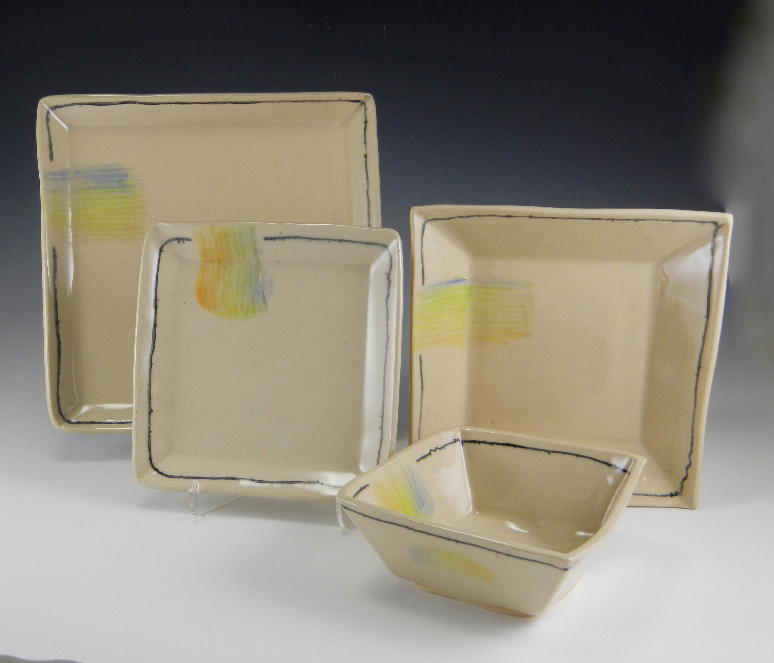 "(8.5"" plate, 7"" plate, 5"" square bowl, side dish shallow bowl 7"". Mimi Stadler 2015)"