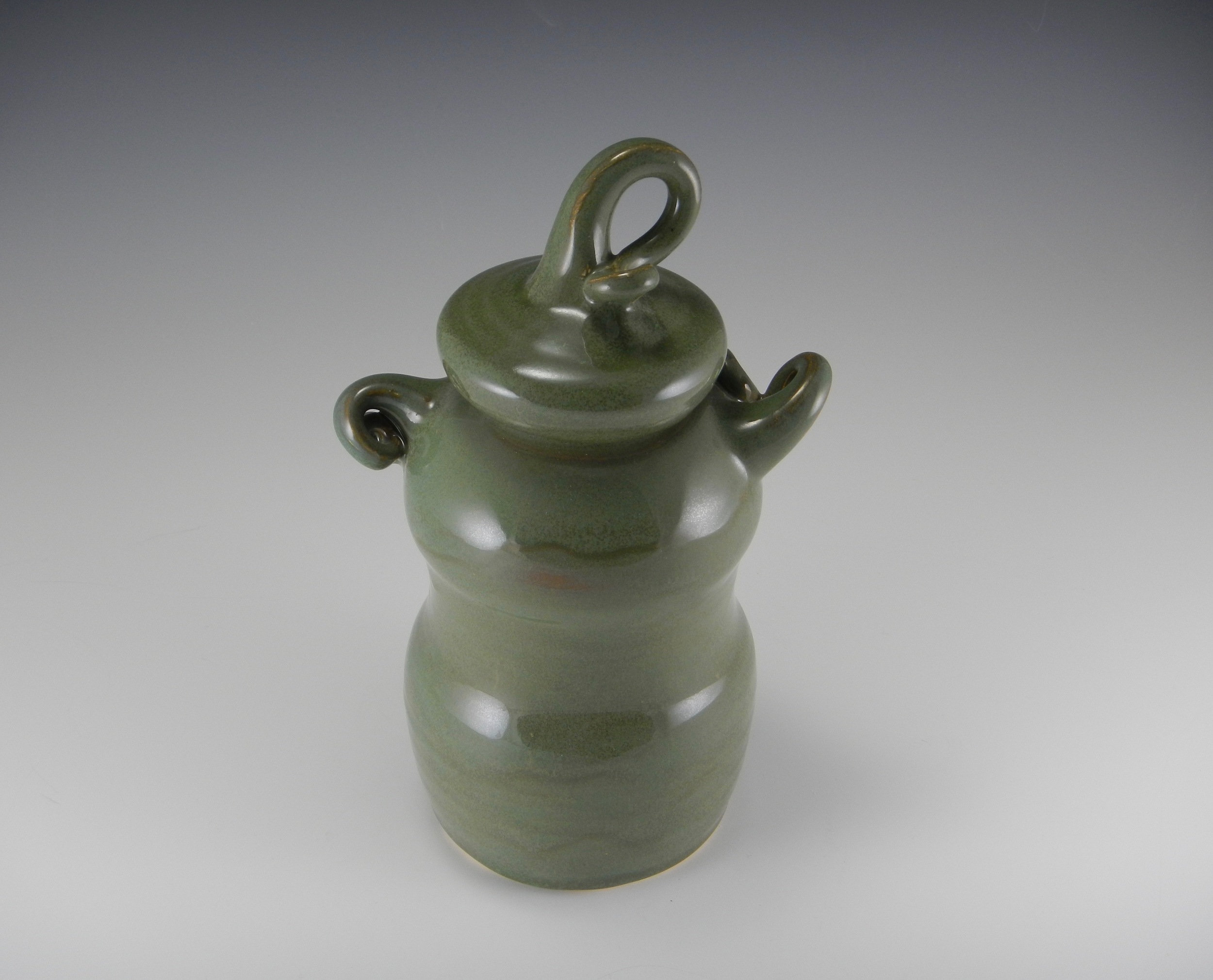 (Covered Jar with Loopy Handles, 2013, Mimi Stadler Pottery)