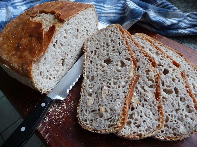Brot geschnitten Waln.jpg