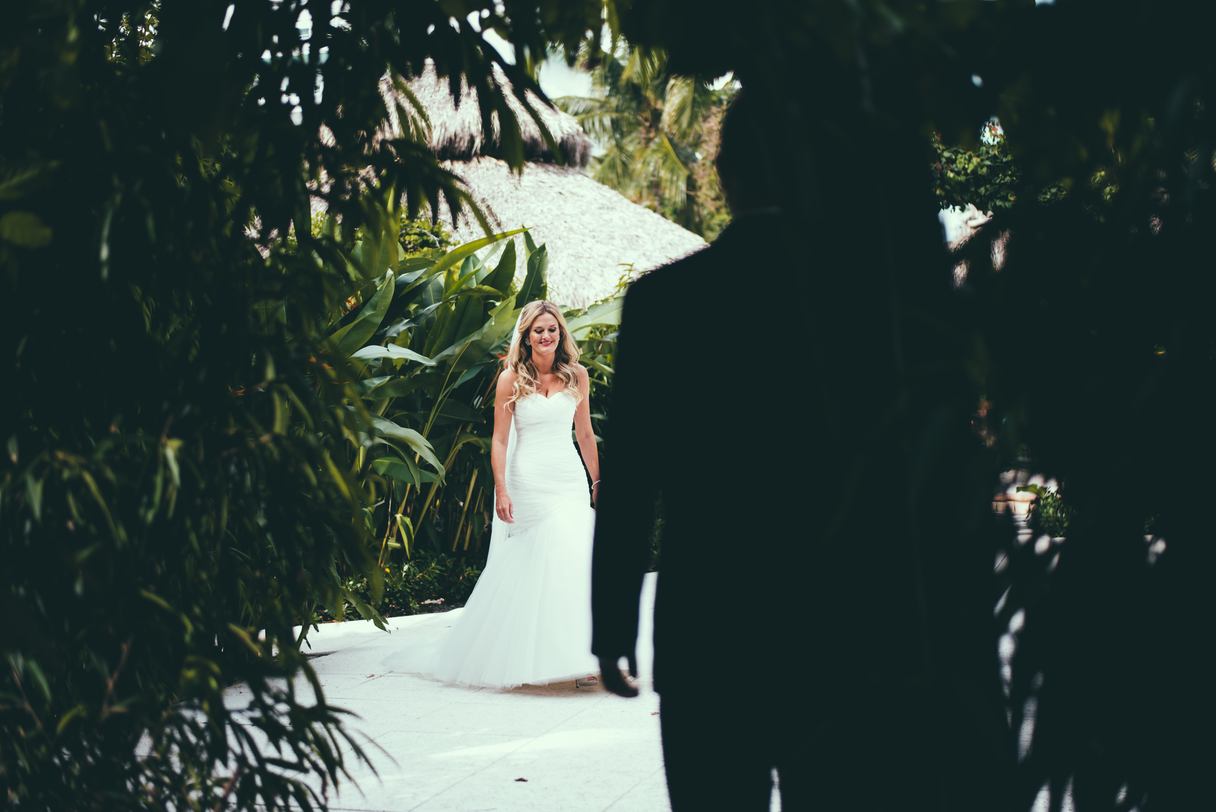 The Palms Hotel & Spa Wedding Miami Florida Photographer First Look Bride Walking 2
