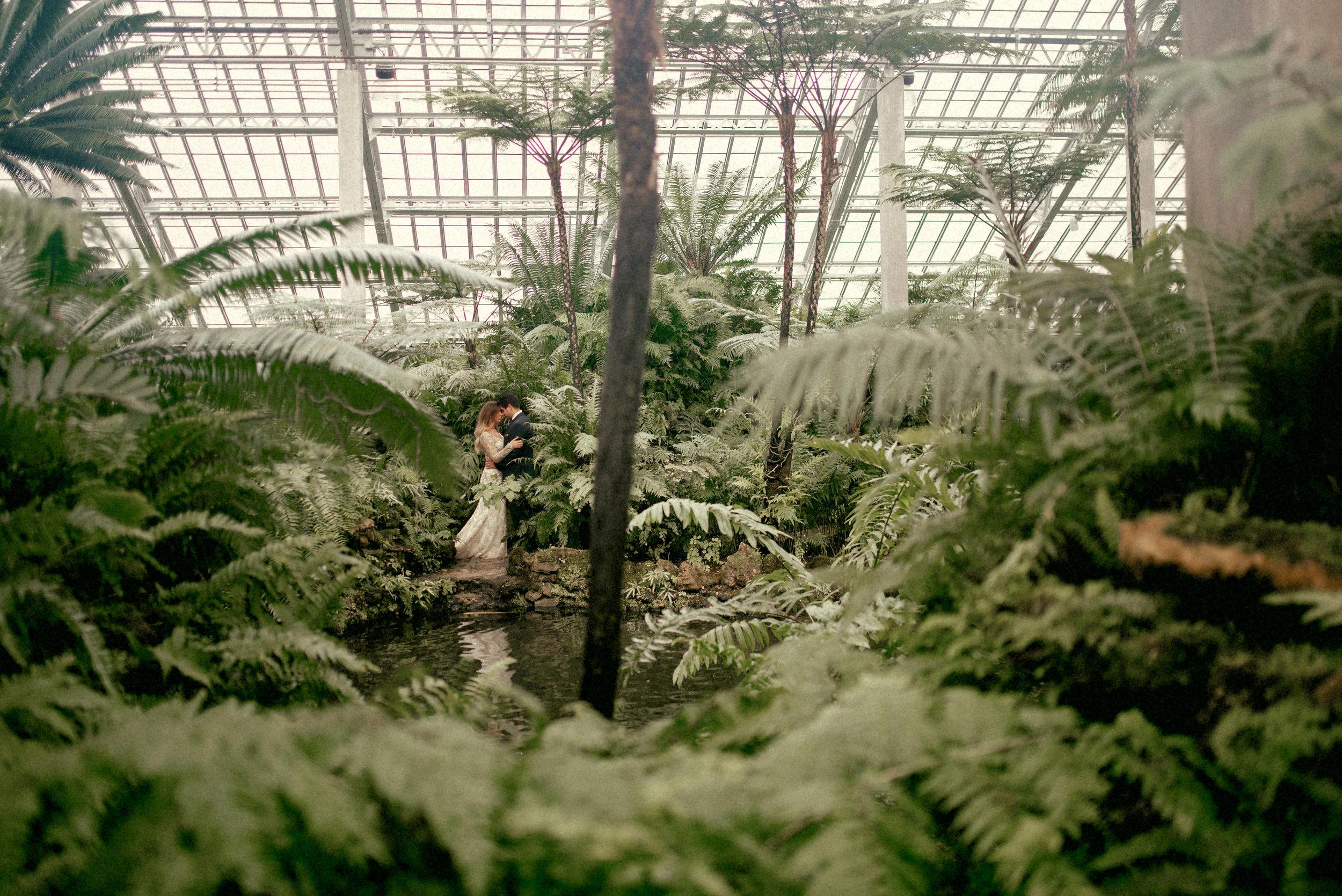 garfield park conservatory chicago wedding 13