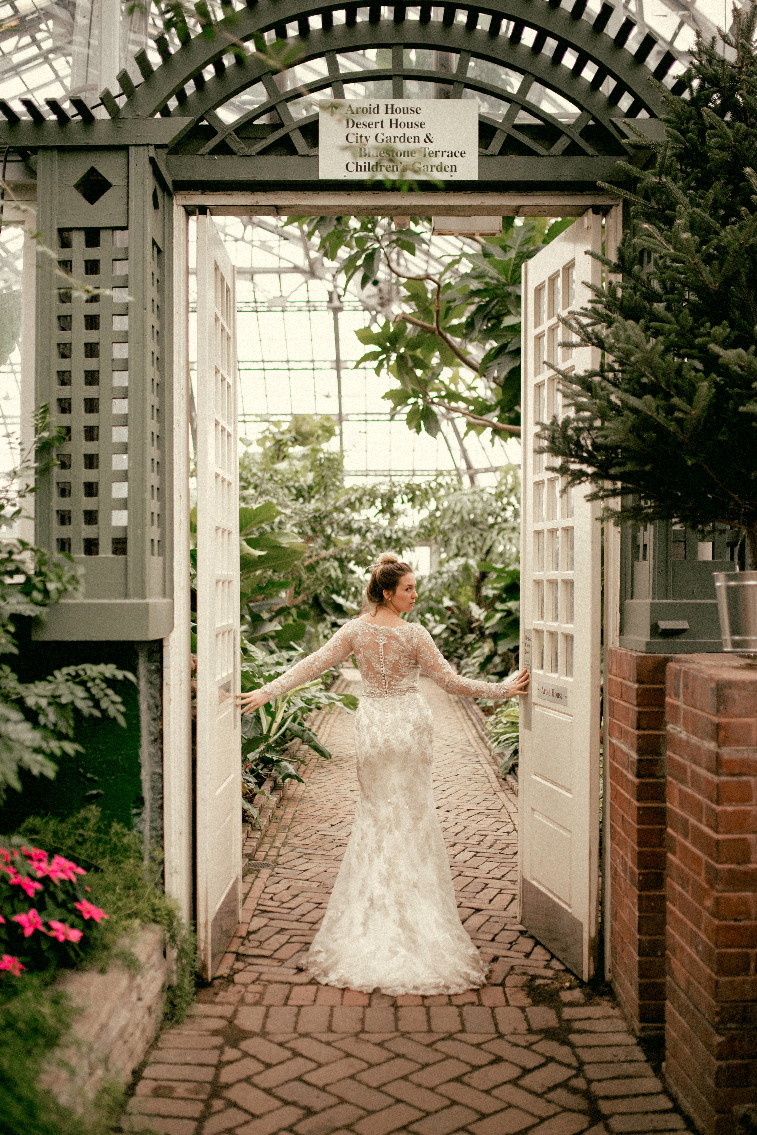 Garfield Park Conservatory Wedding.Stills By Hernan Tampa Florida Based Destination Wedding