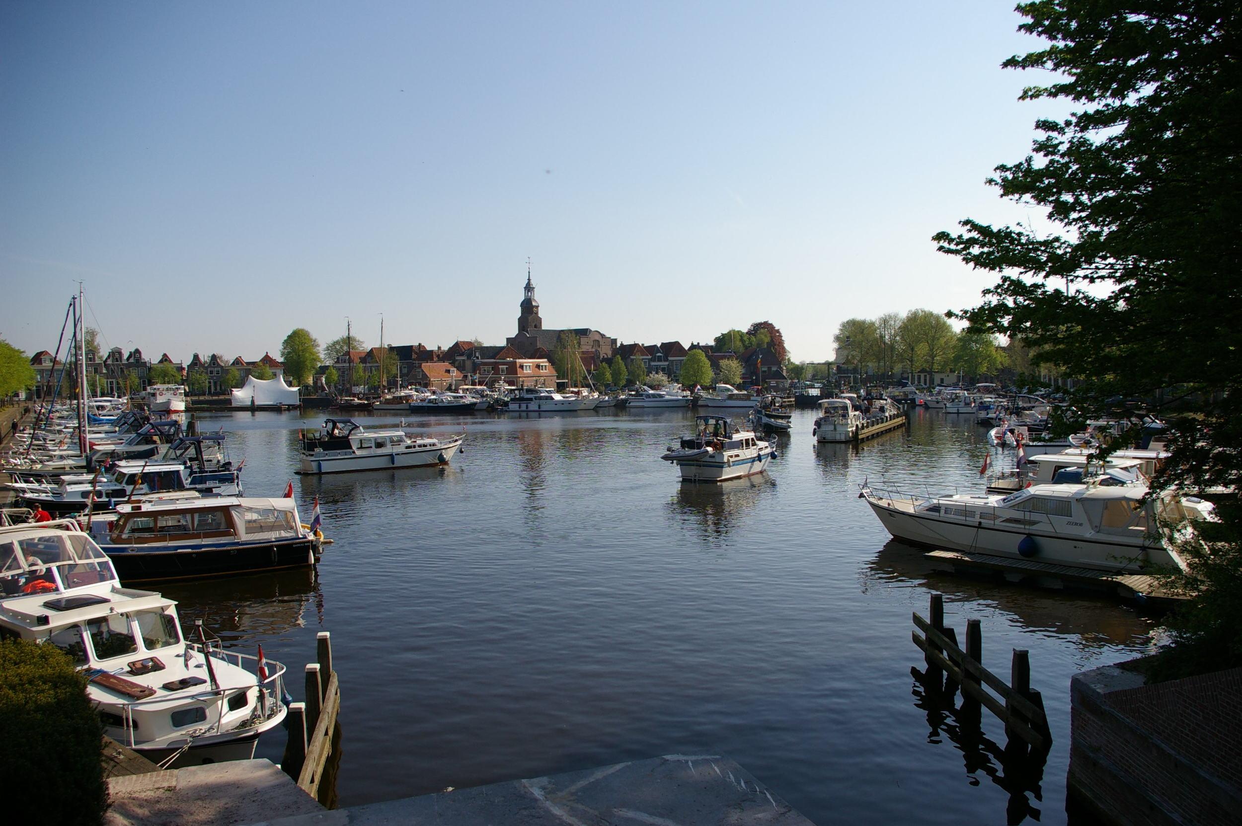 Blokzijl_harbour.jpg