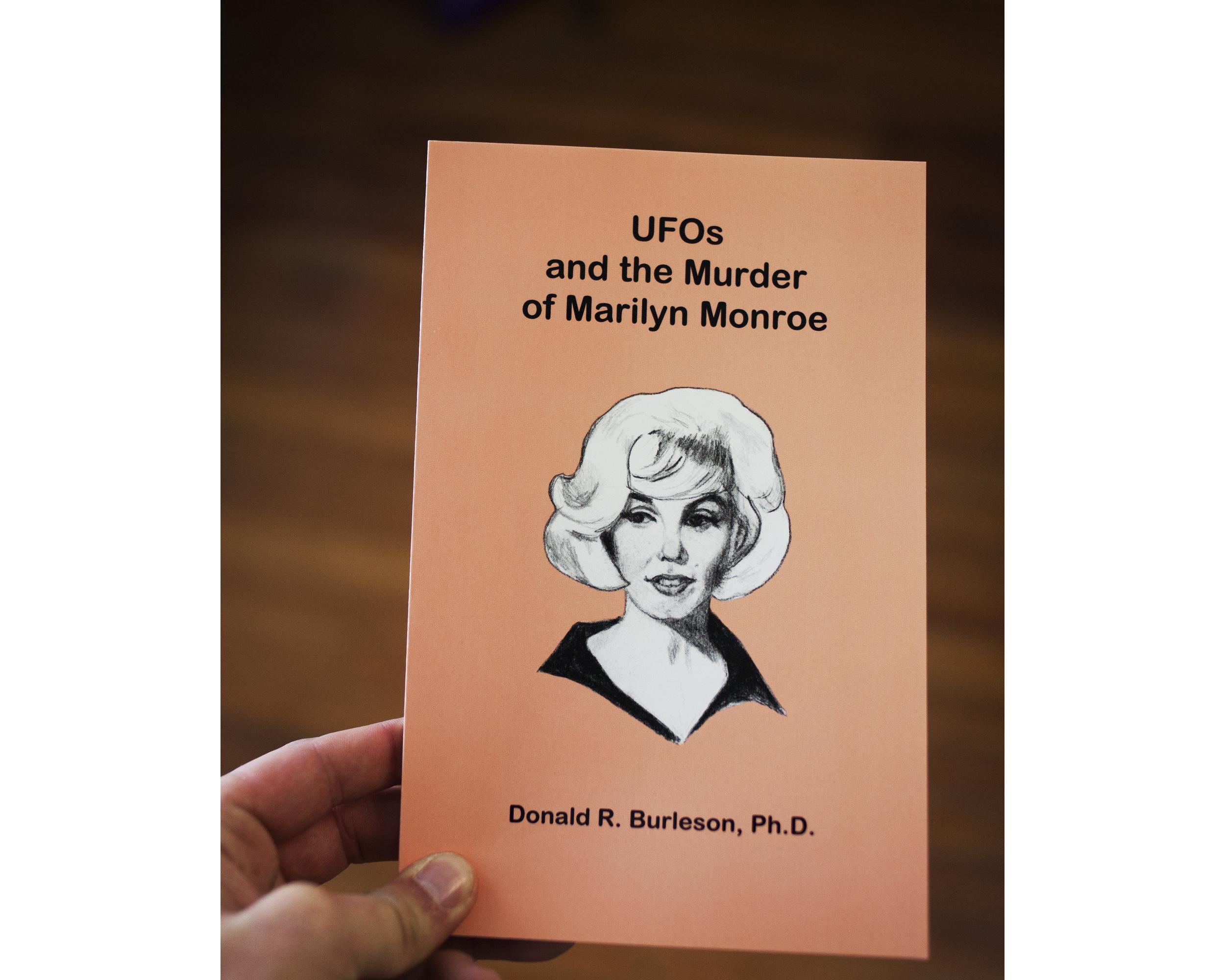 UFO & Marilyn Monroe.jpg