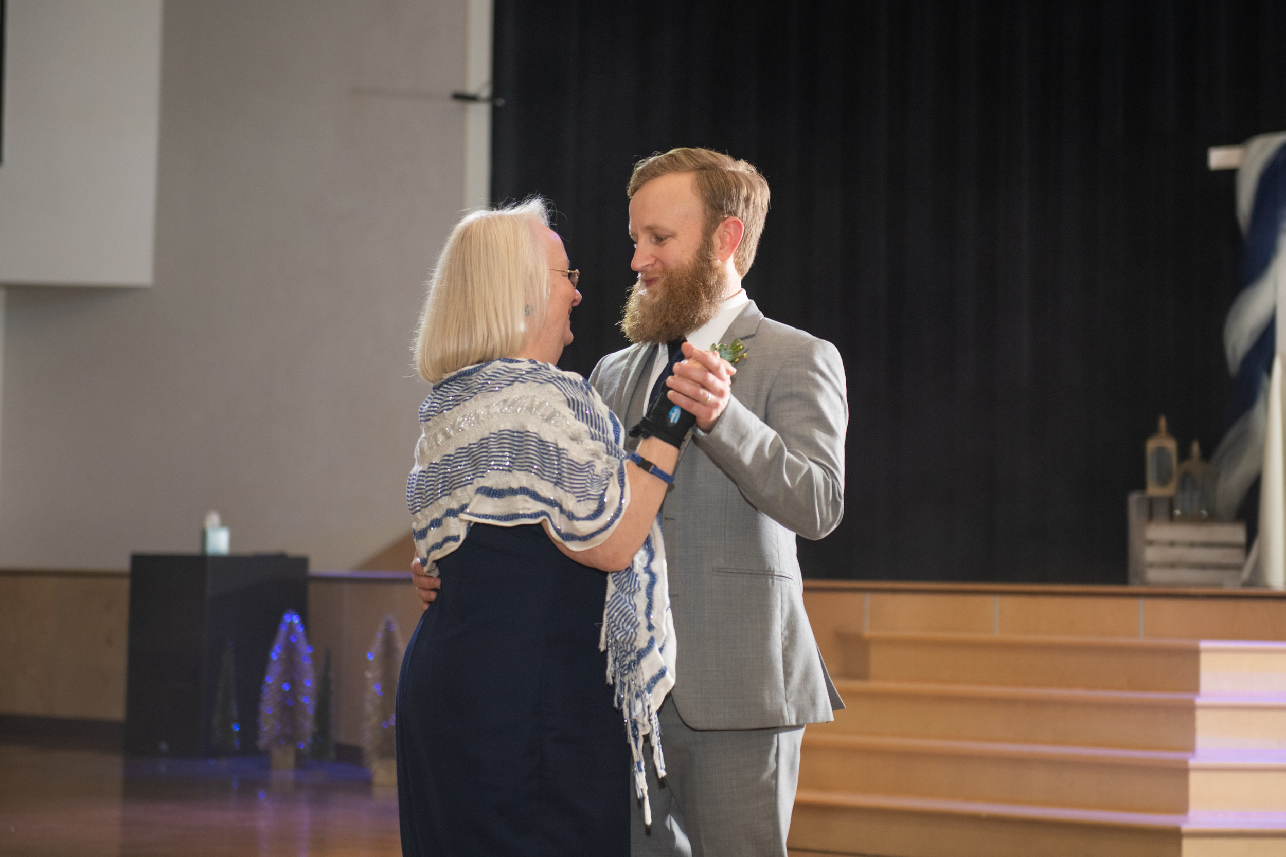 Calvary-Chapel-Chattanooga-Wedding-42.jpg