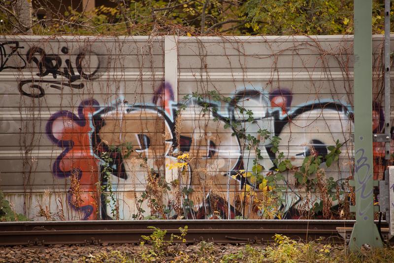 subway graffiti leaves