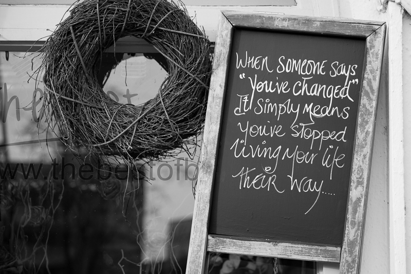 change sign flower shop