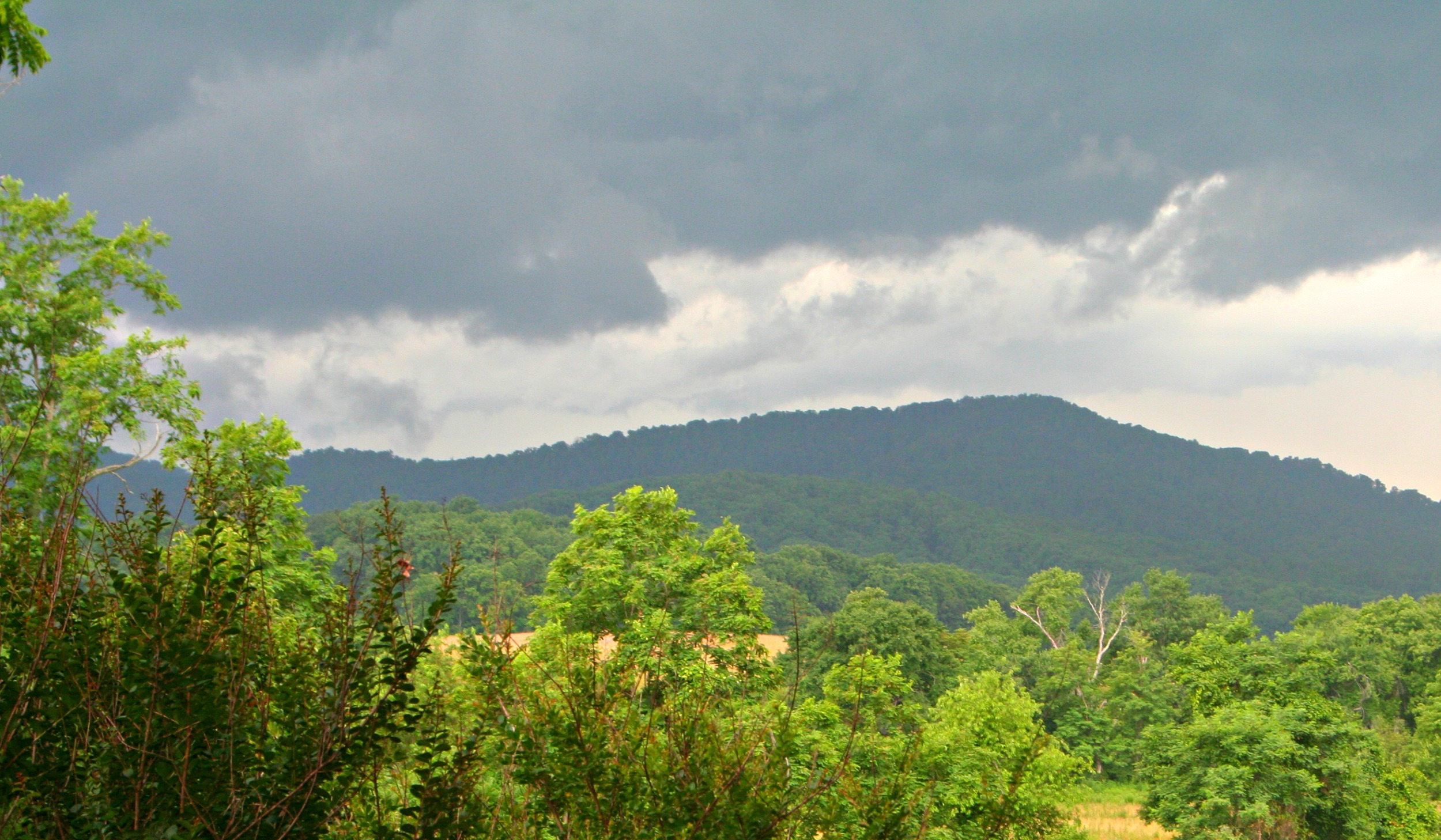Hurricane remnants coming over Afton Mountain