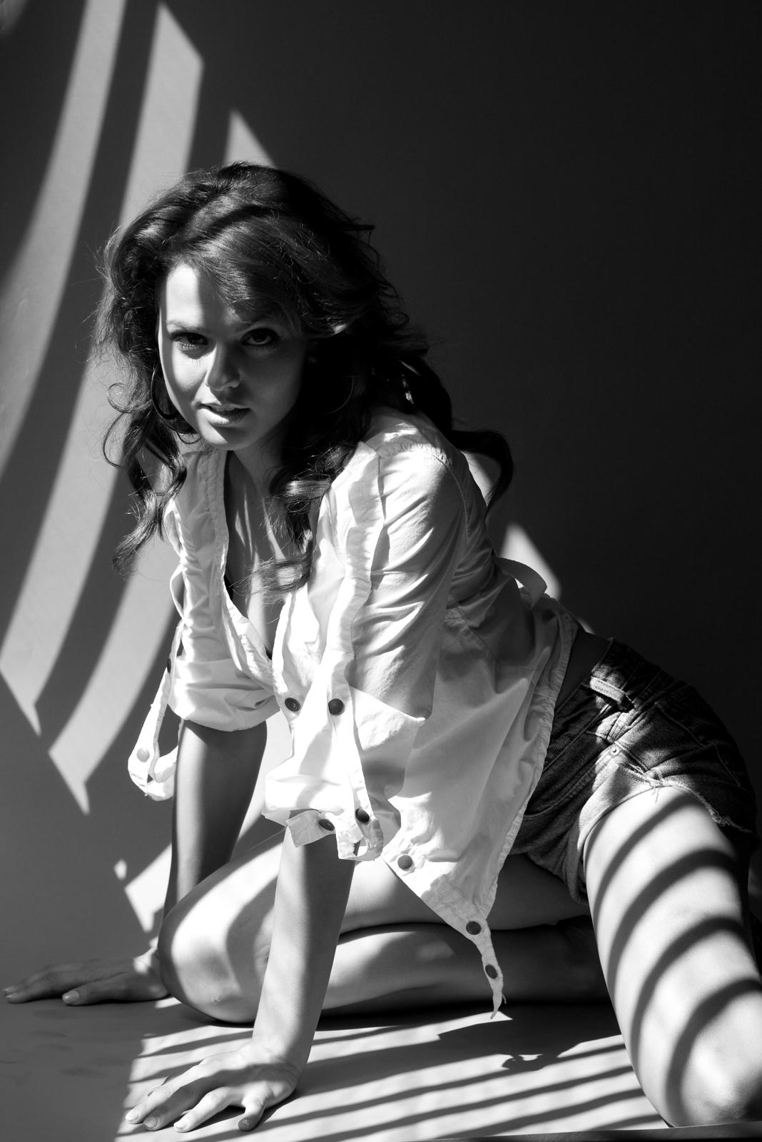 AnnaMaria DeMara photo shoot