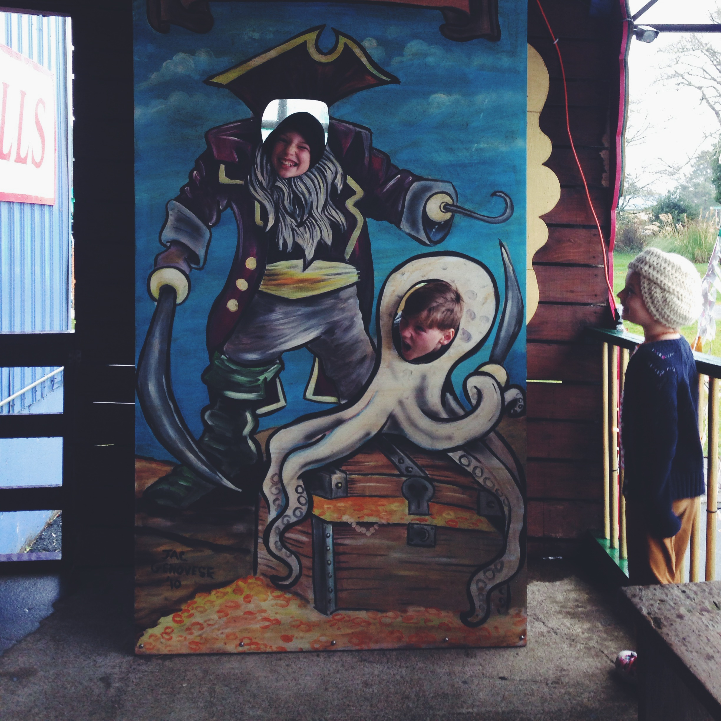 A pirate & his octopus sidekick at Pirate's Plunder