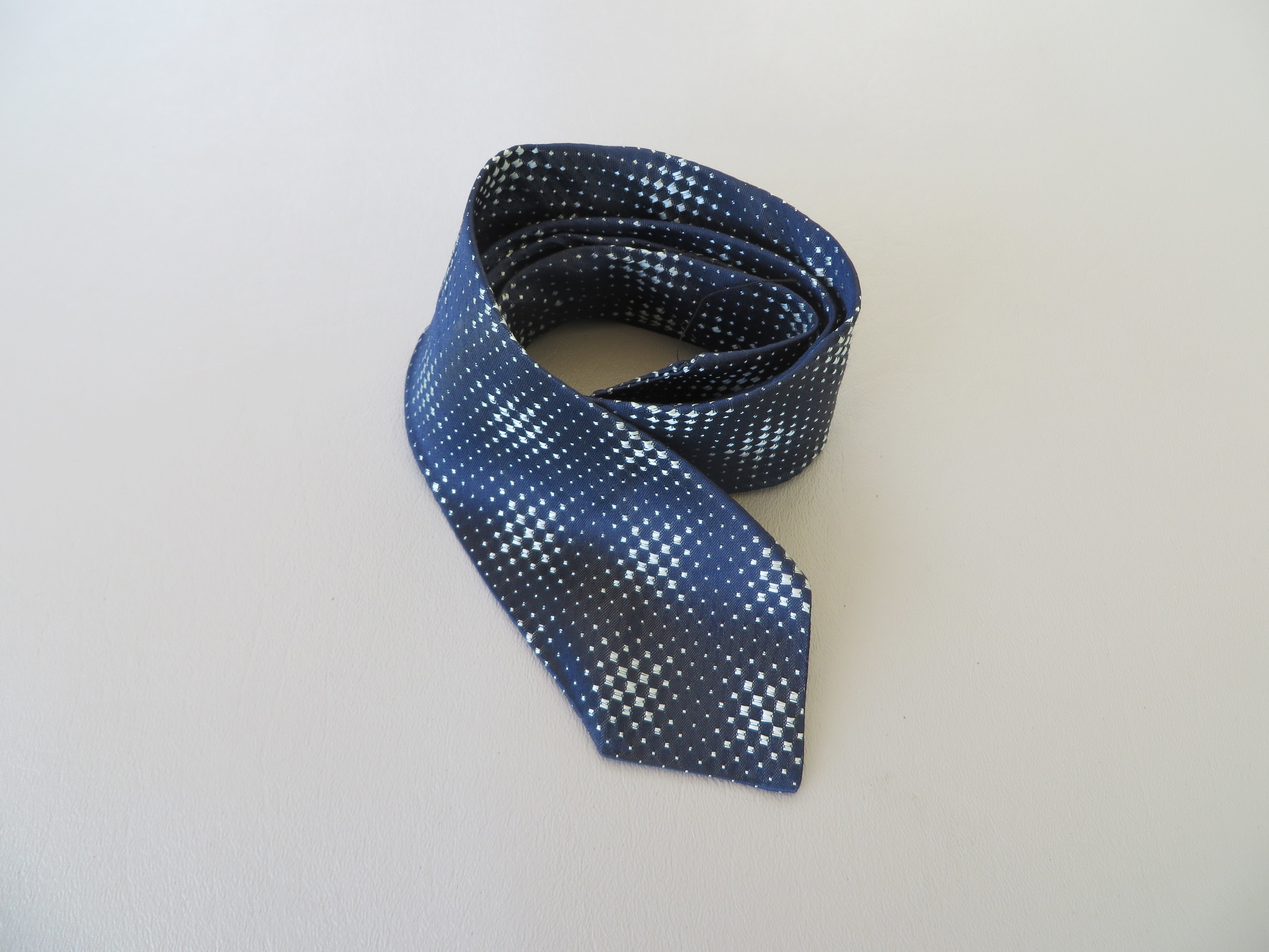 Men's 1950's-1960's blue & silver geometric necktie