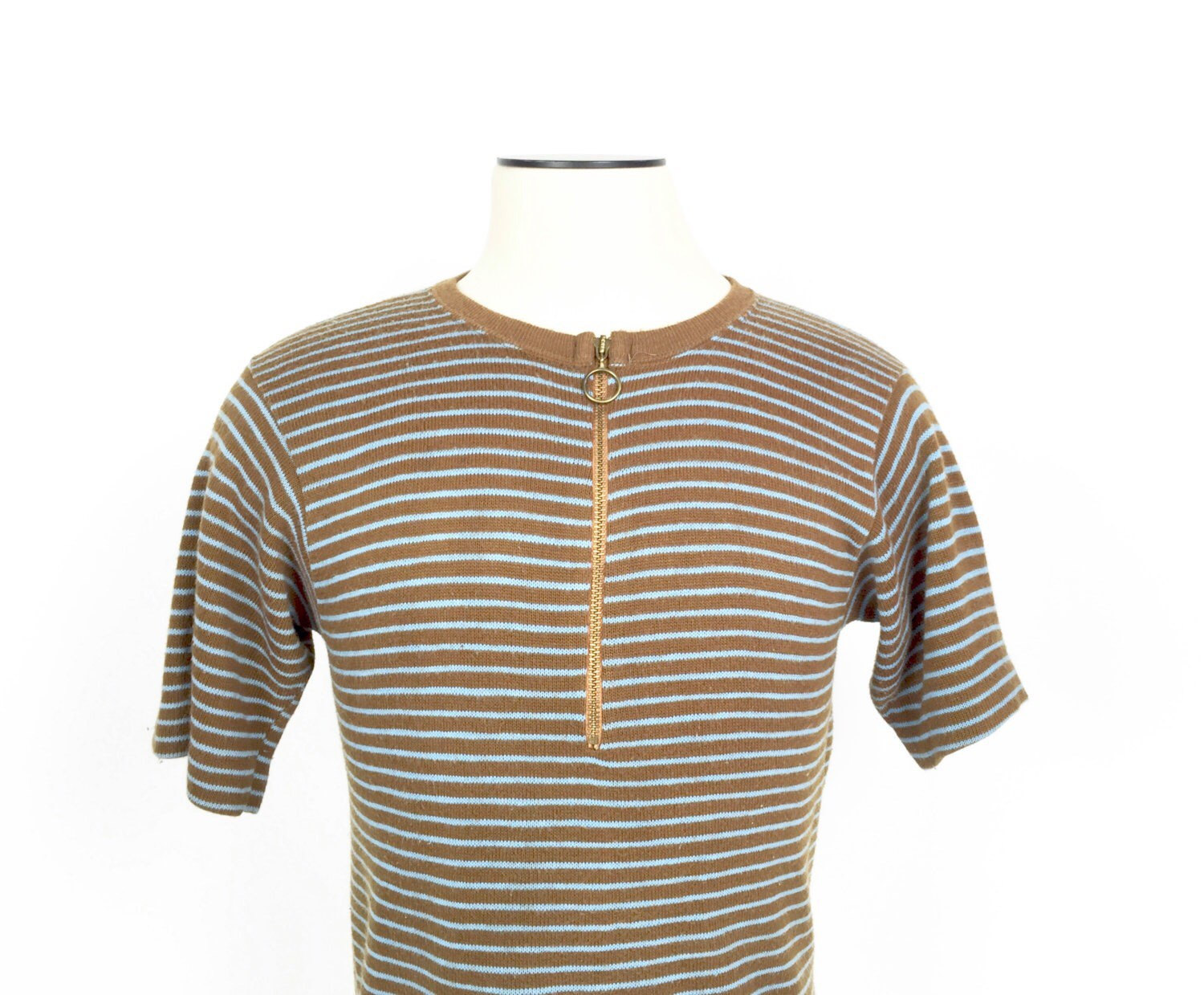 1960's zippered pullover sweater with a great zipper pull. Cool short sleeves!