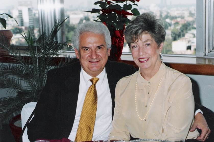 Foto Gerardo y Maruja Cándano página.jpg