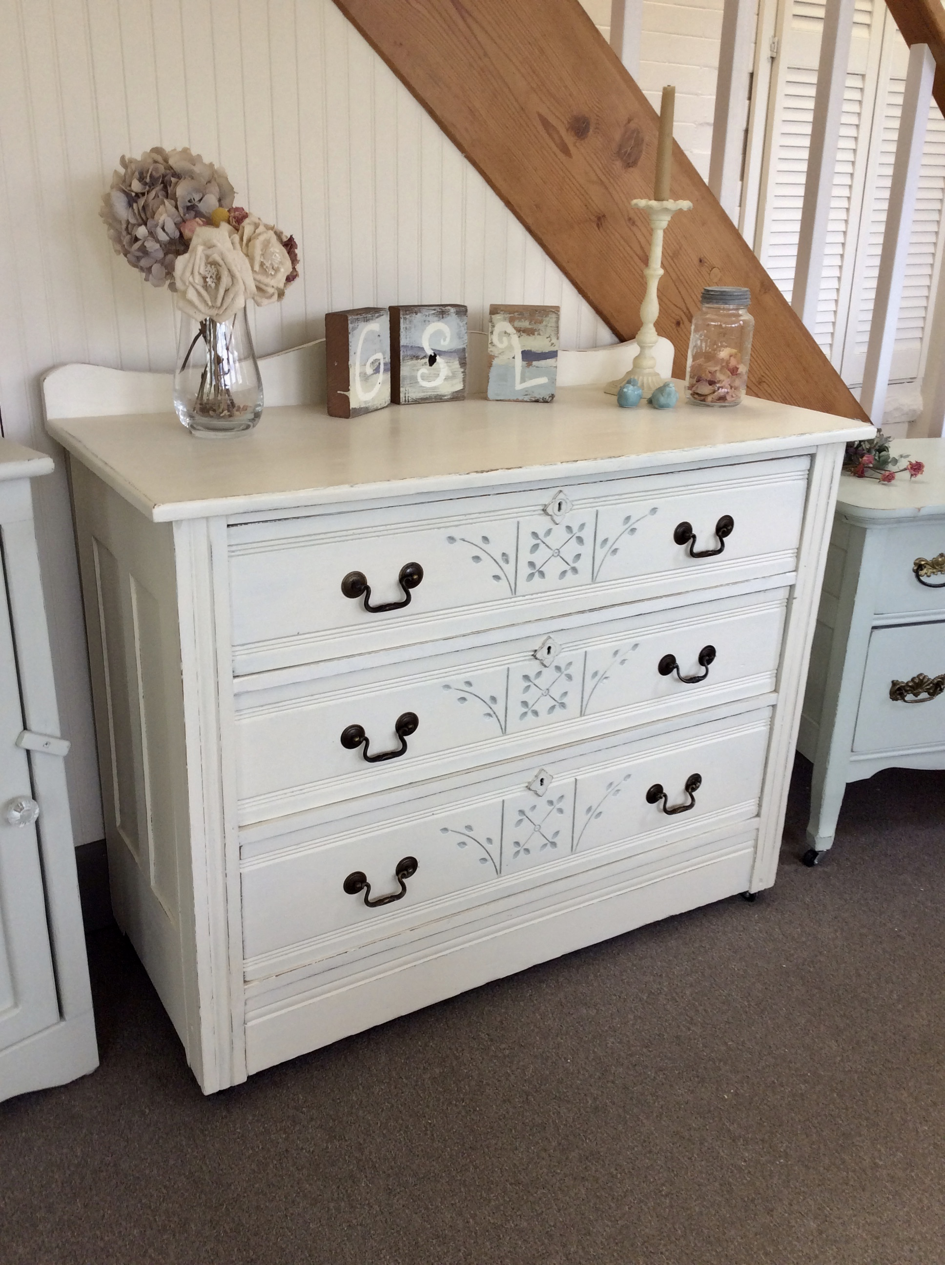 Vintage Eastlake Dresser A Bit Shabby,How To Get Rid Of Sugar Ants In House