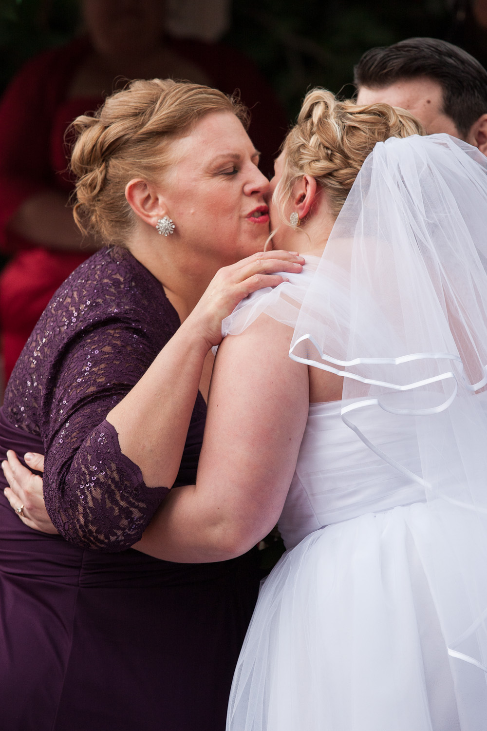 bride and mother moment