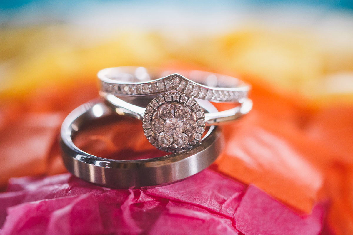 pinata wedding rings