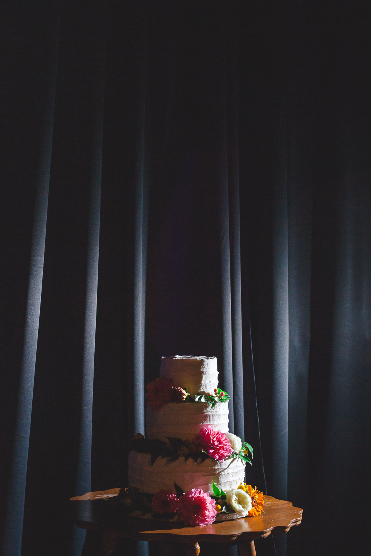 fresh dahlia wedding cake