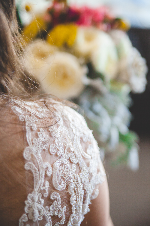 DIY lace wedding dress sleeves