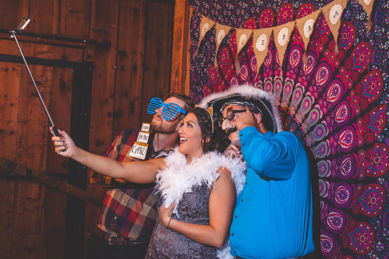 diy photobooth wedding