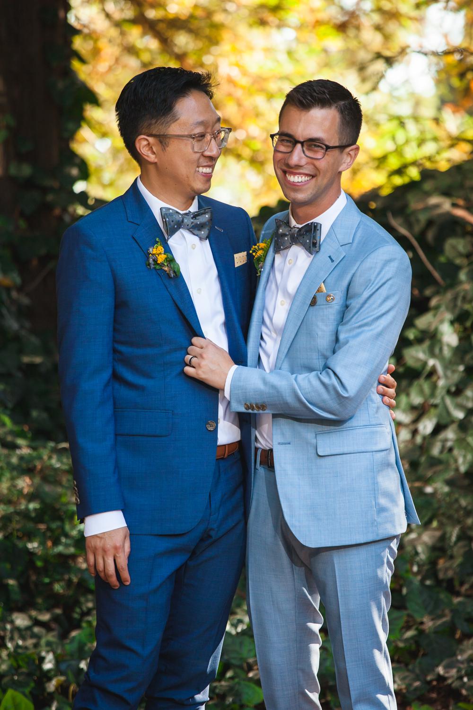 colorful san francisco wedding photographer