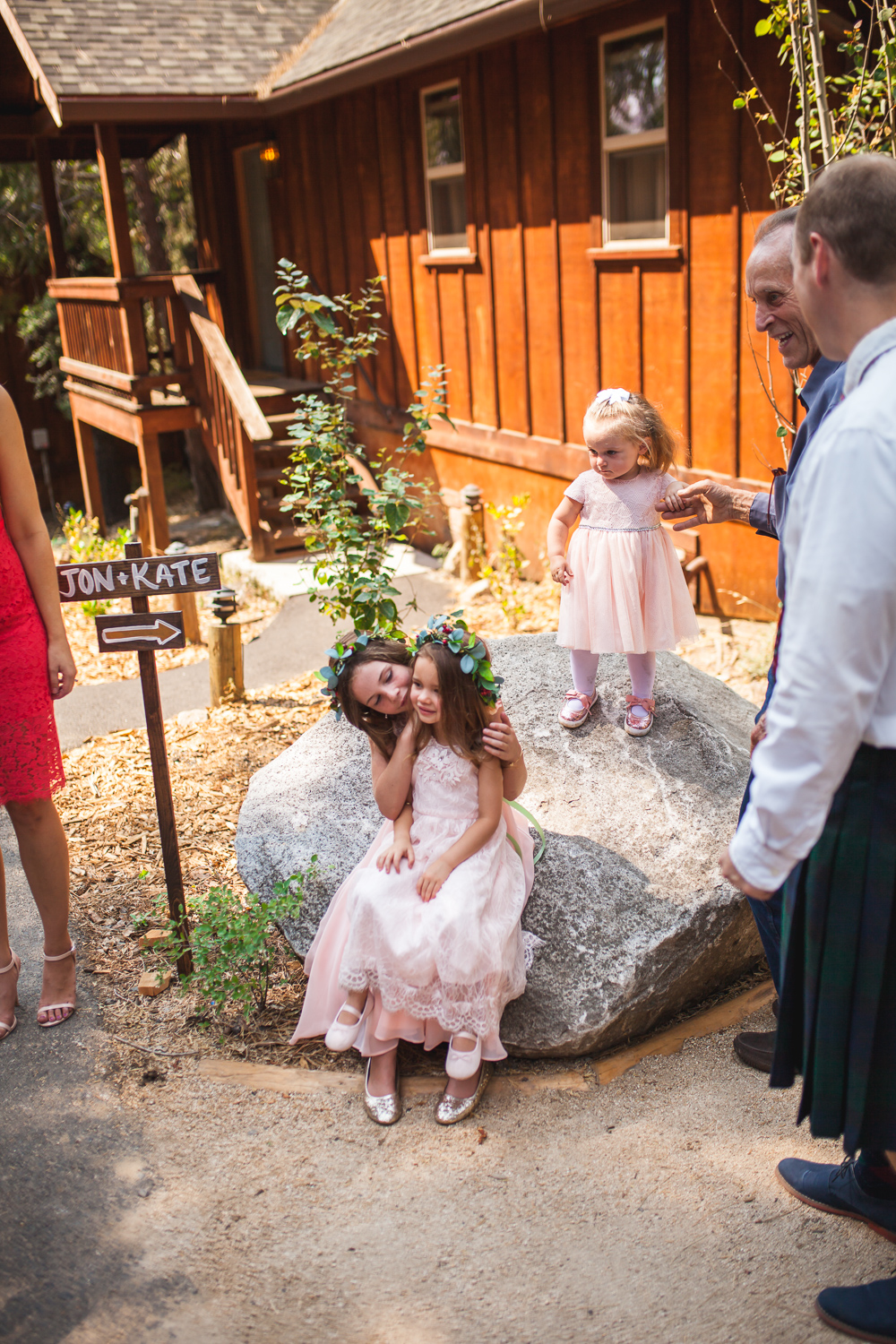 yosemite lodge wedding.jpg