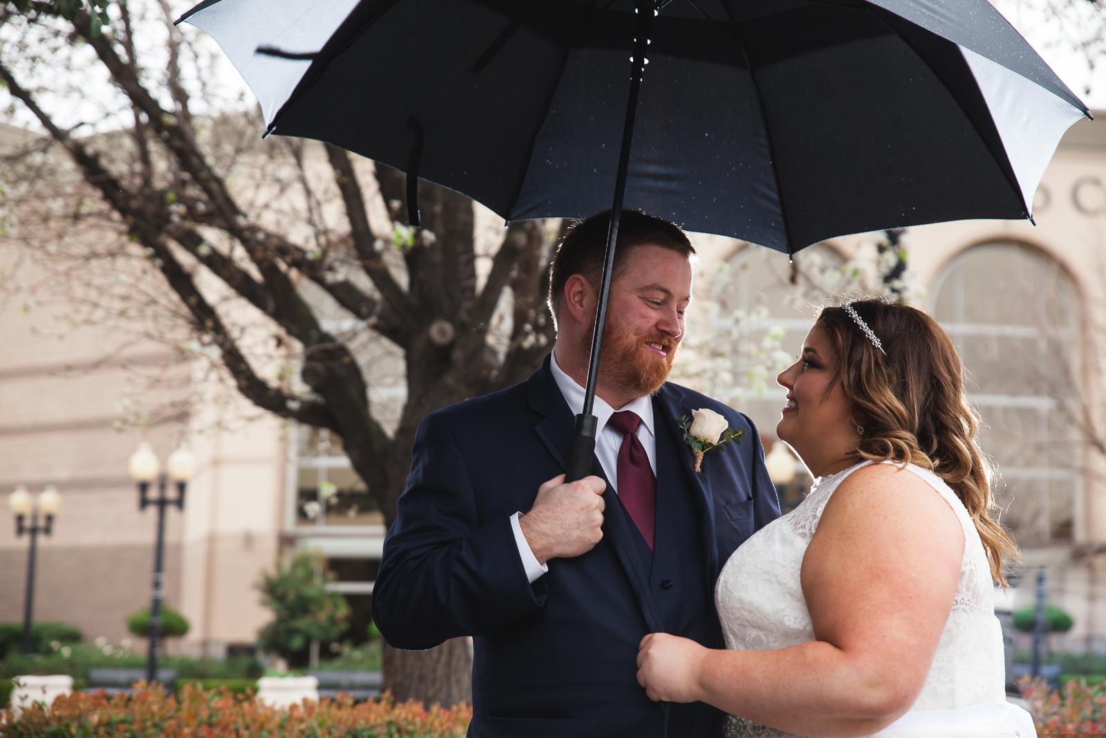 rainy downtown modesto wedding.jpg