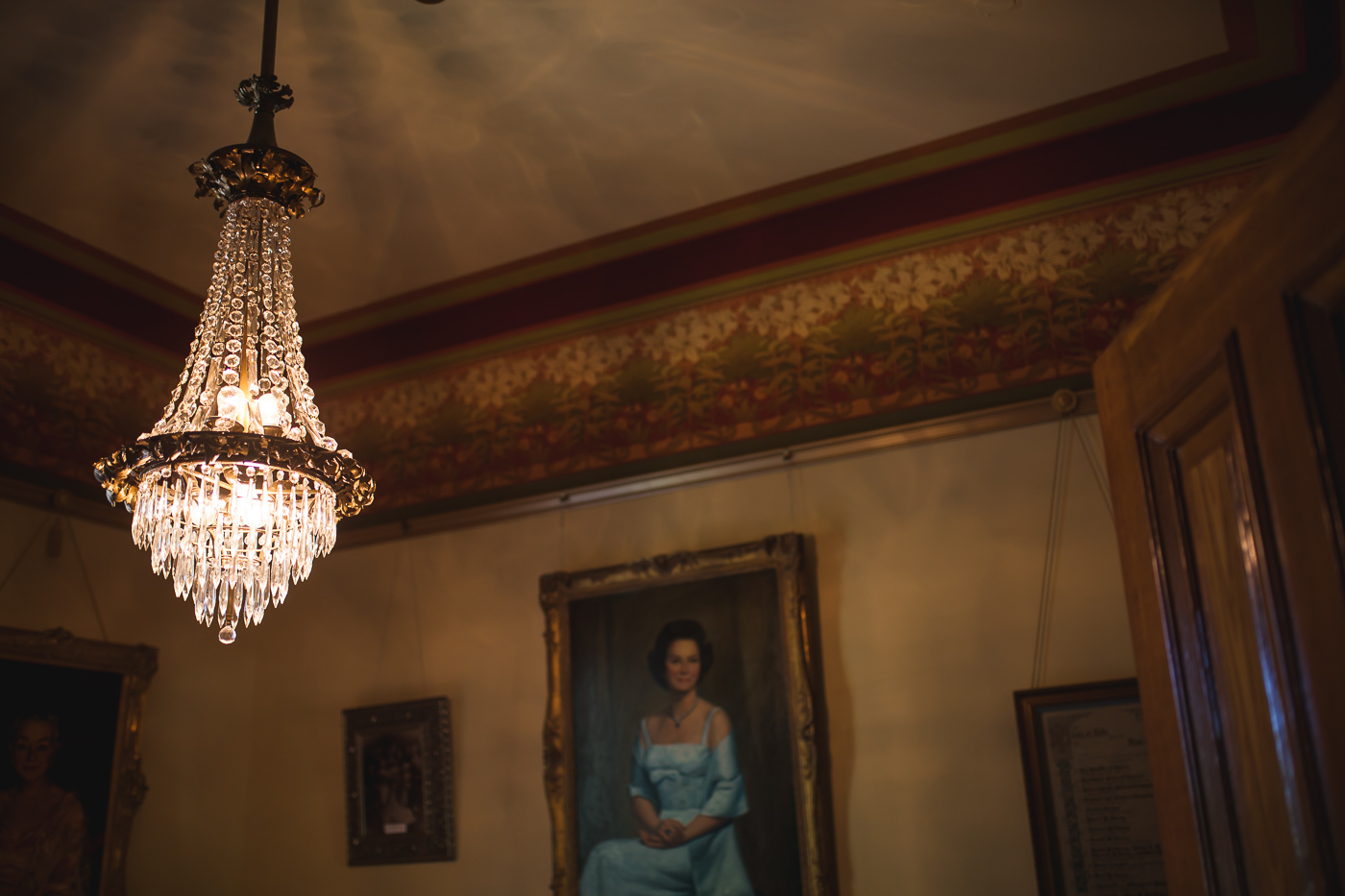 victorian mansion interior
