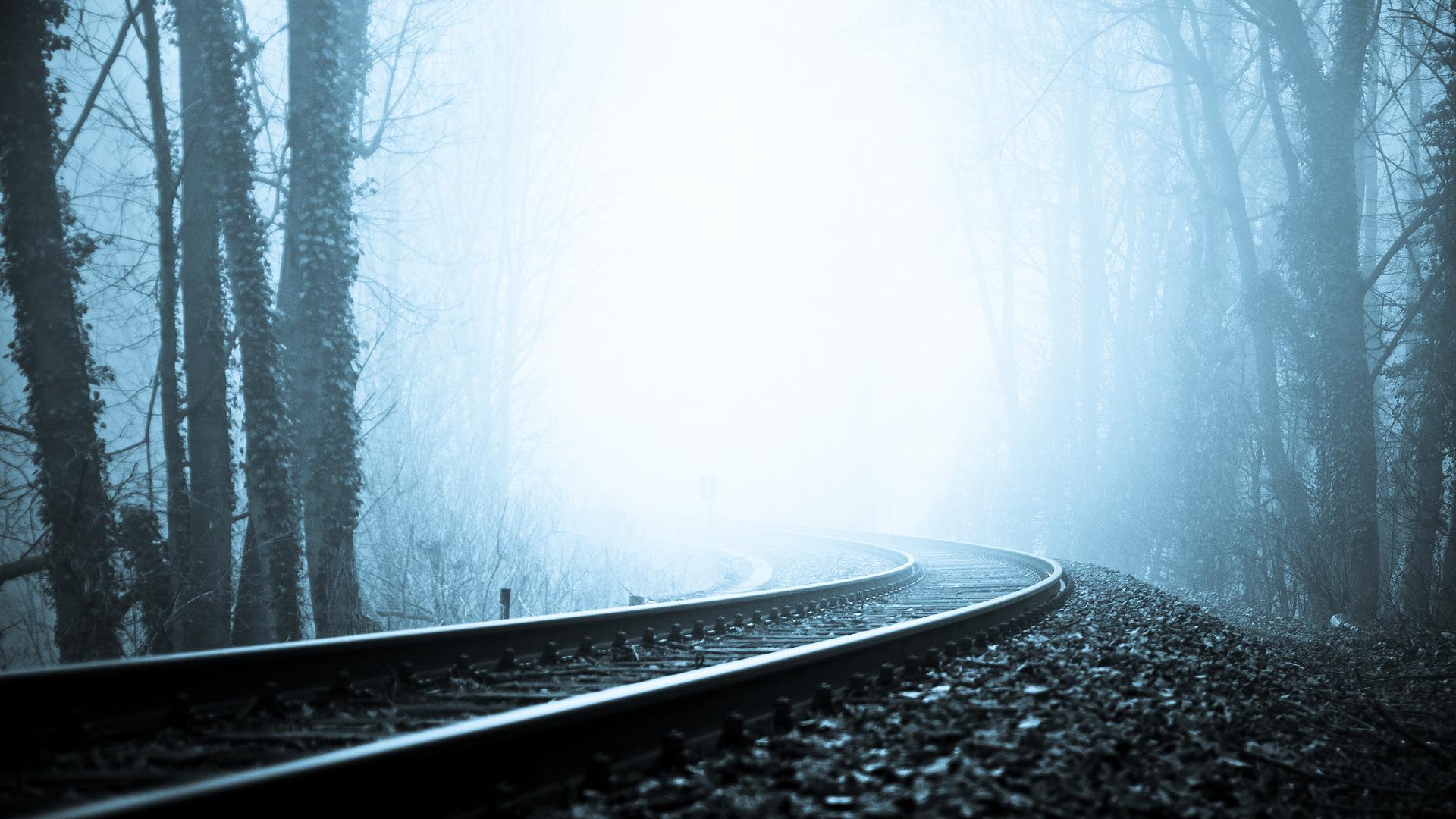 rails_railway_fog_turn_black-and-white_gloomy_60136_1920x1080.jpg
