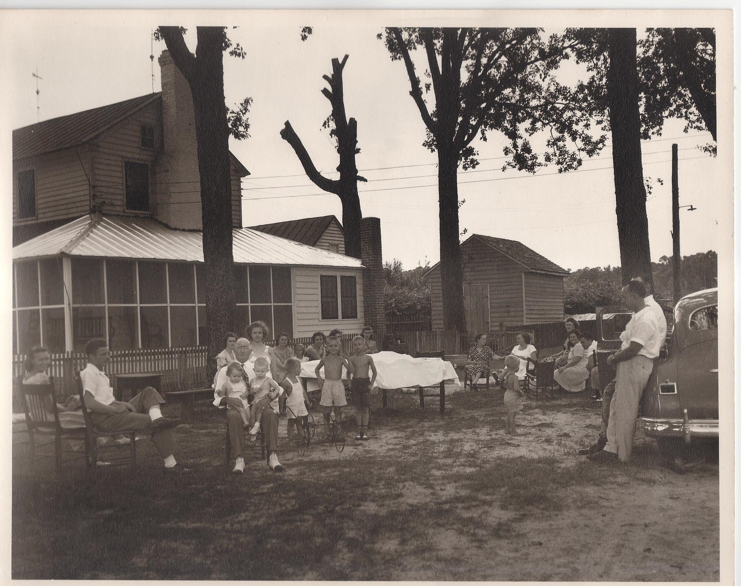 Everett Family Picnic on the farm