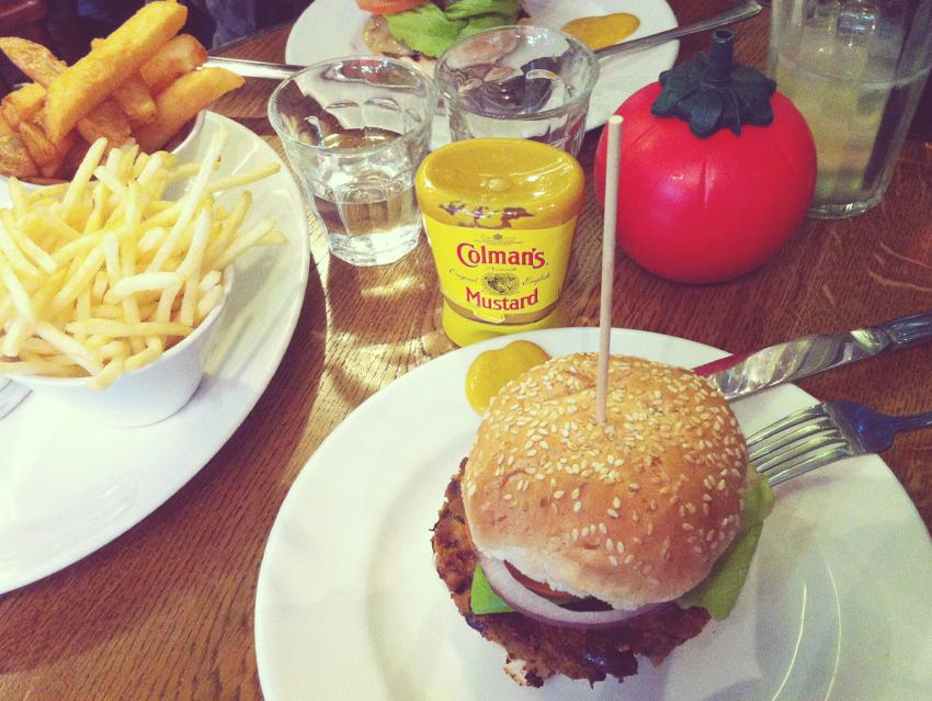 Charlene_Girodet_Londres_burger.jpg
