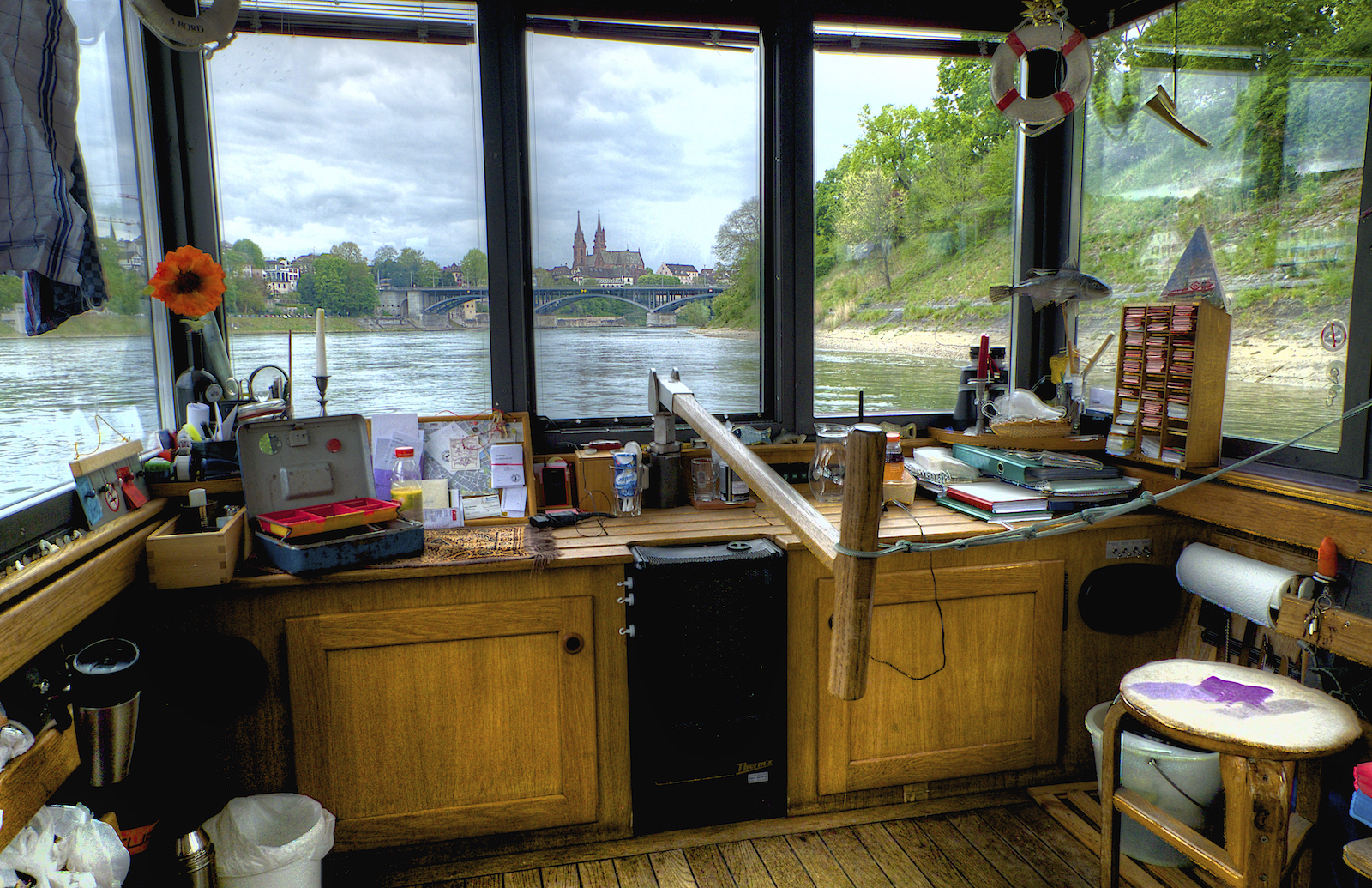 The cabin is the control room, the ticket office, the living room and a photographer dream.