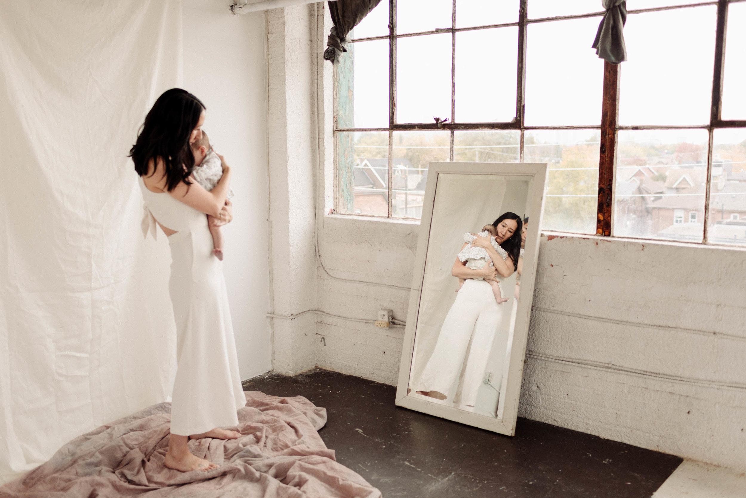 Laura Rowe Photography, Motherhood Photography, Toronto, Motherhood Portraits15.jpg