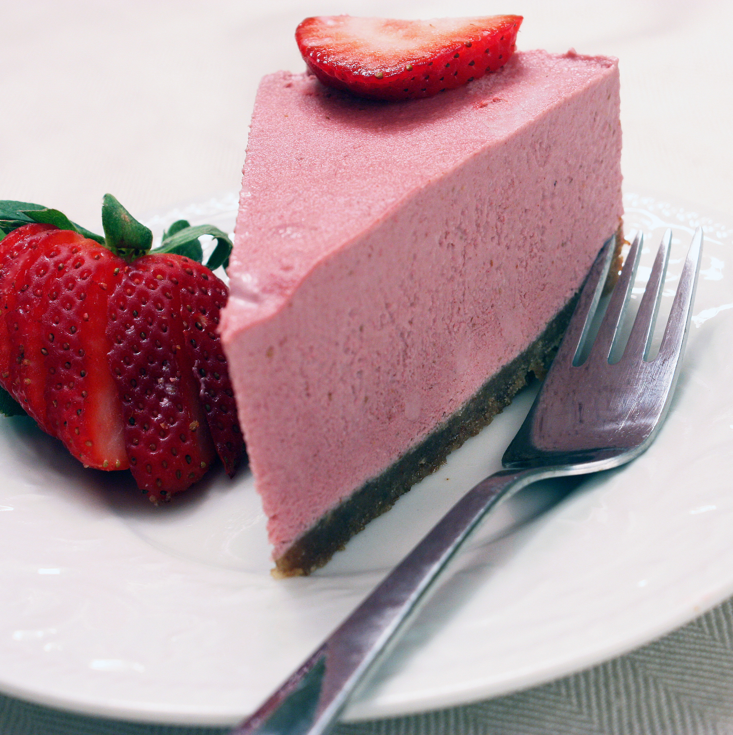 Strawberry and Chocolate Raw Pie Recipe : Free Recipes