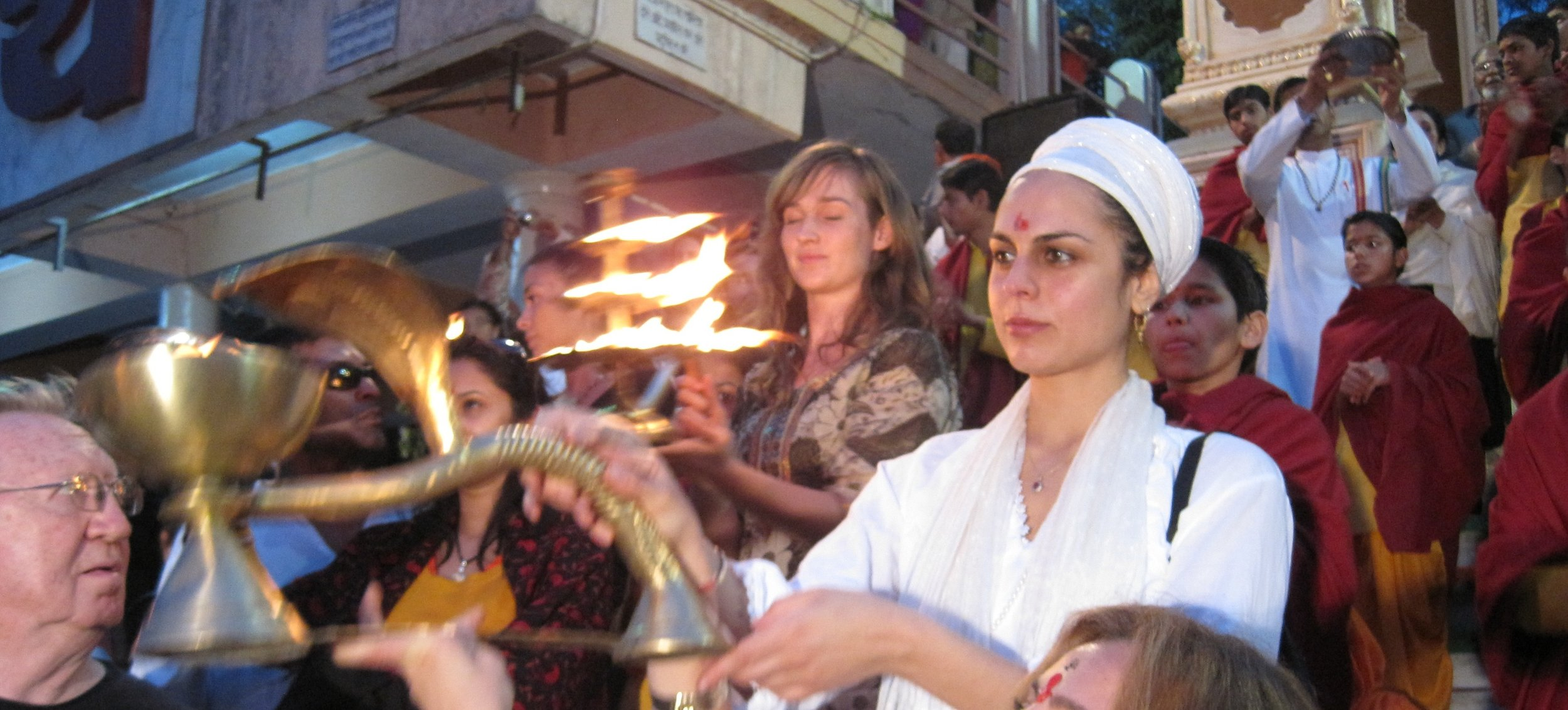 siri sat aarti cropped Website.jpg