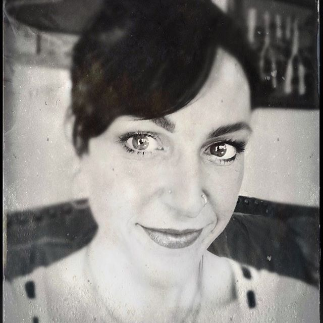 Vintage is my everything. They did things so well in the past, built to last. Tin type photography app made with out all the chemicals. Have a beautiful day! #howivintage #blackandwhite #photography #tintype #topanga #hairstyles #vintage