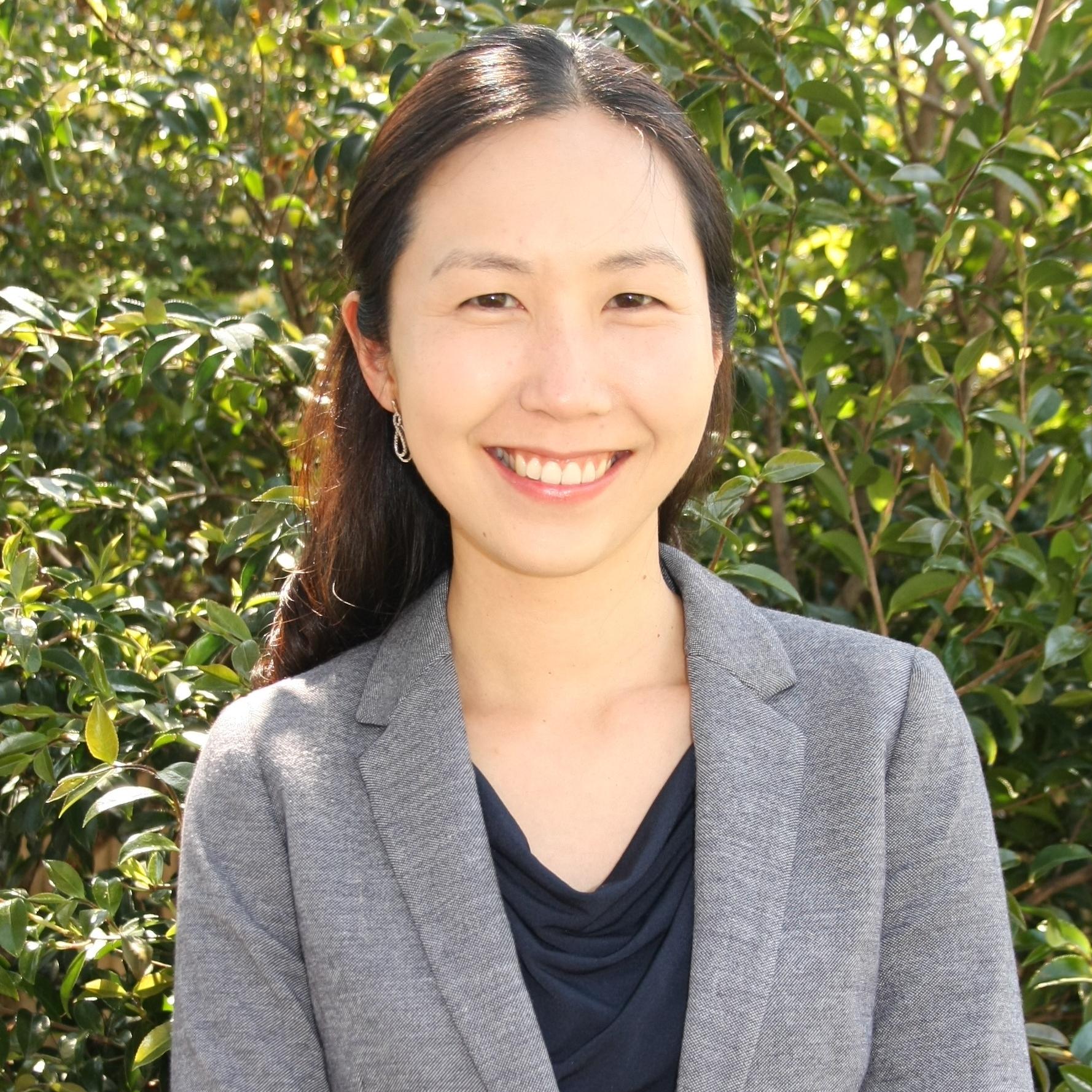 Dr Pearl Chung