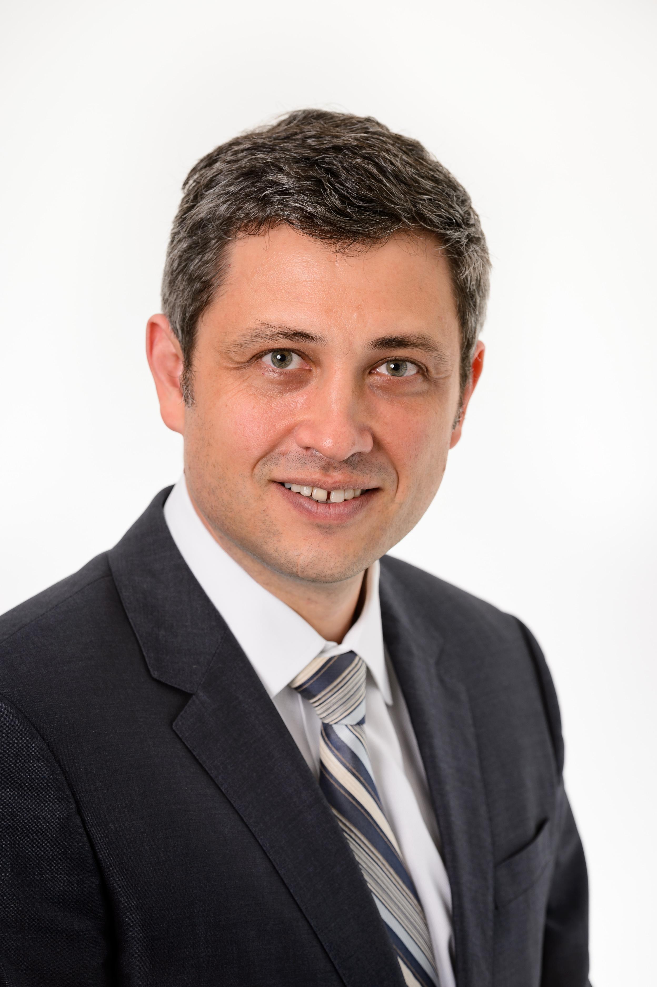 Dr Daniel Novakovic   FRACS, MPH, MBBS(Syd), BSc
