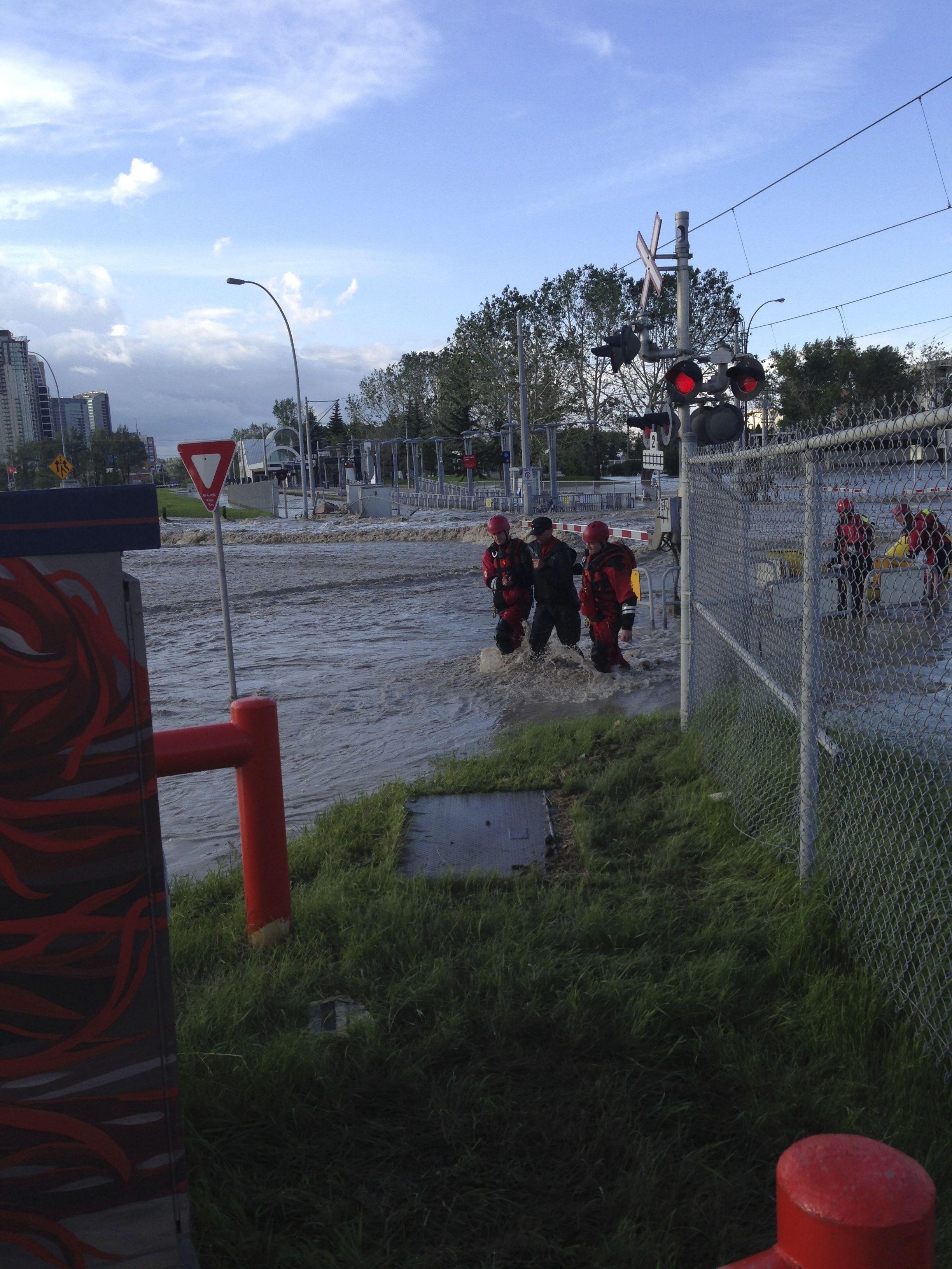 Calgary flood pictures, general contractor Calgary, renovations, restoration company, contractor Calgary 8.jpg